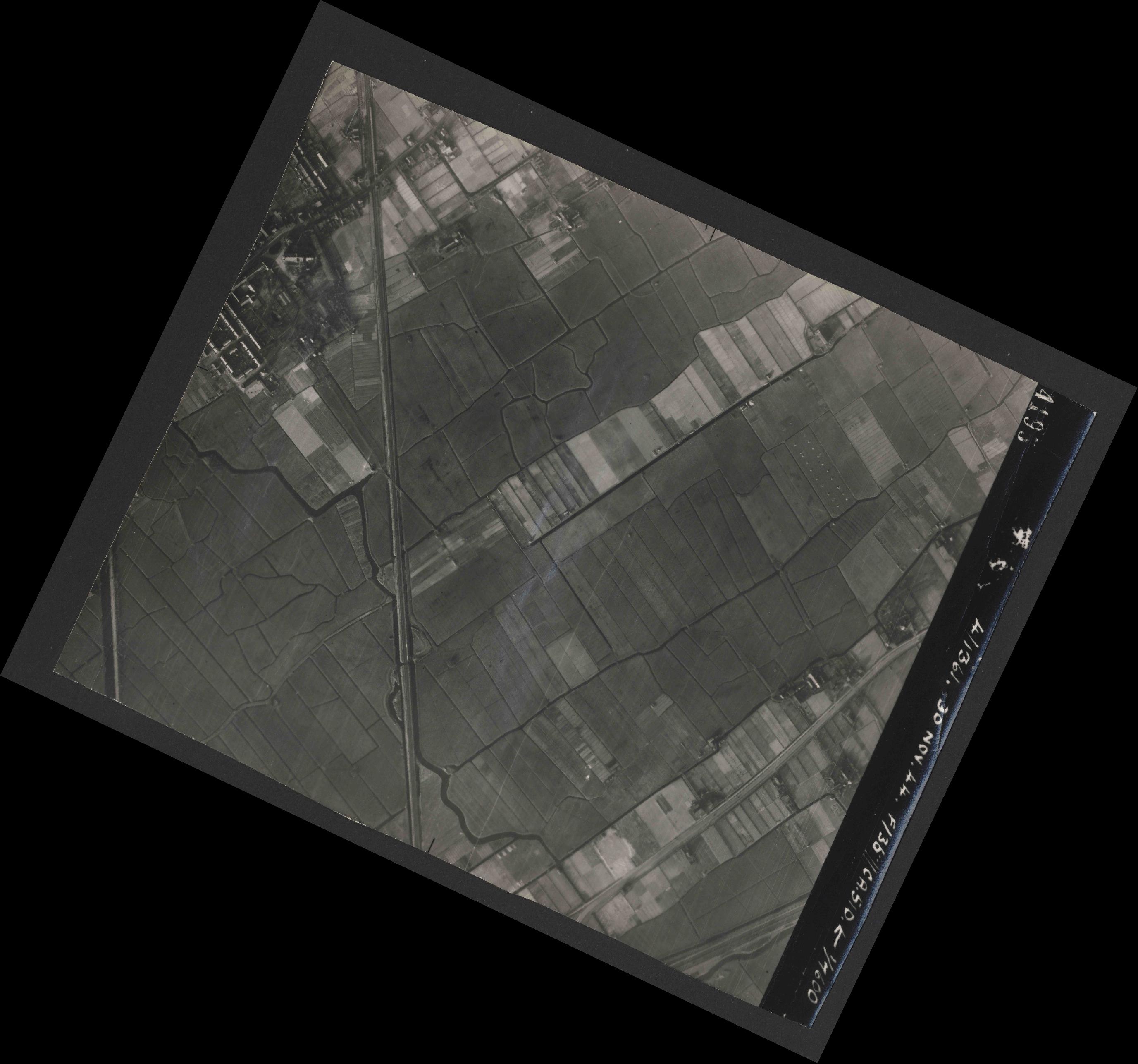 Collection RAF aerial photos 1940-1945 - flight 151, run 04, photo 4195