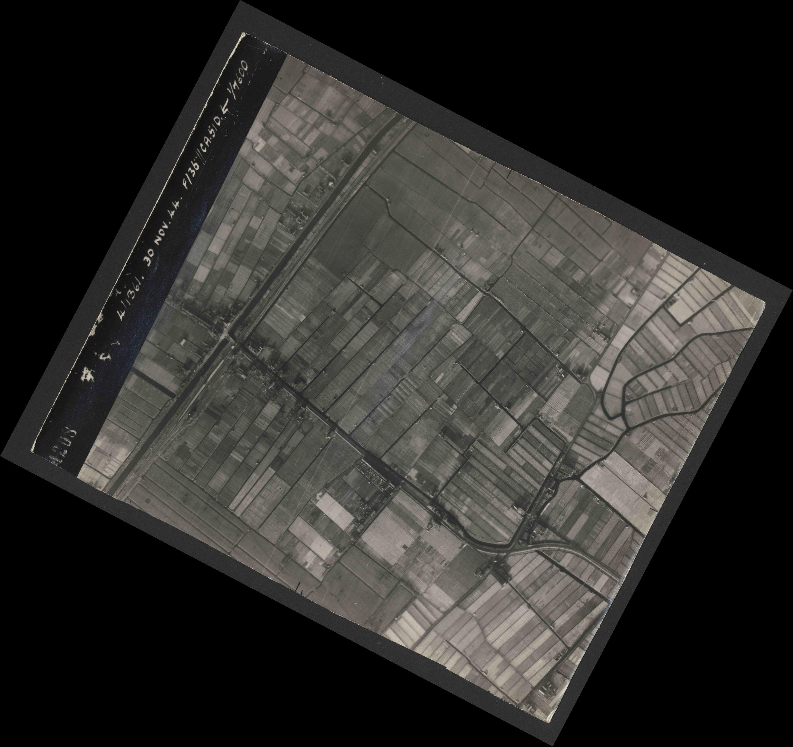 Collection RAF aerial photos 1940-1945 - flight 151, run 05, photo 4208