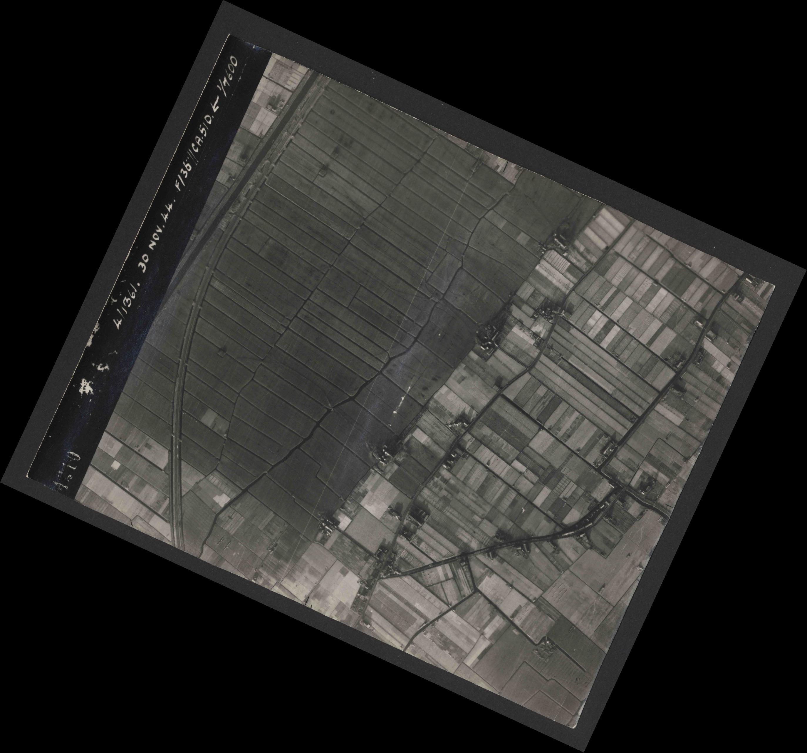 Collection RAF aerial photos 1940-1945 - flight 151, run 05, photo 4210