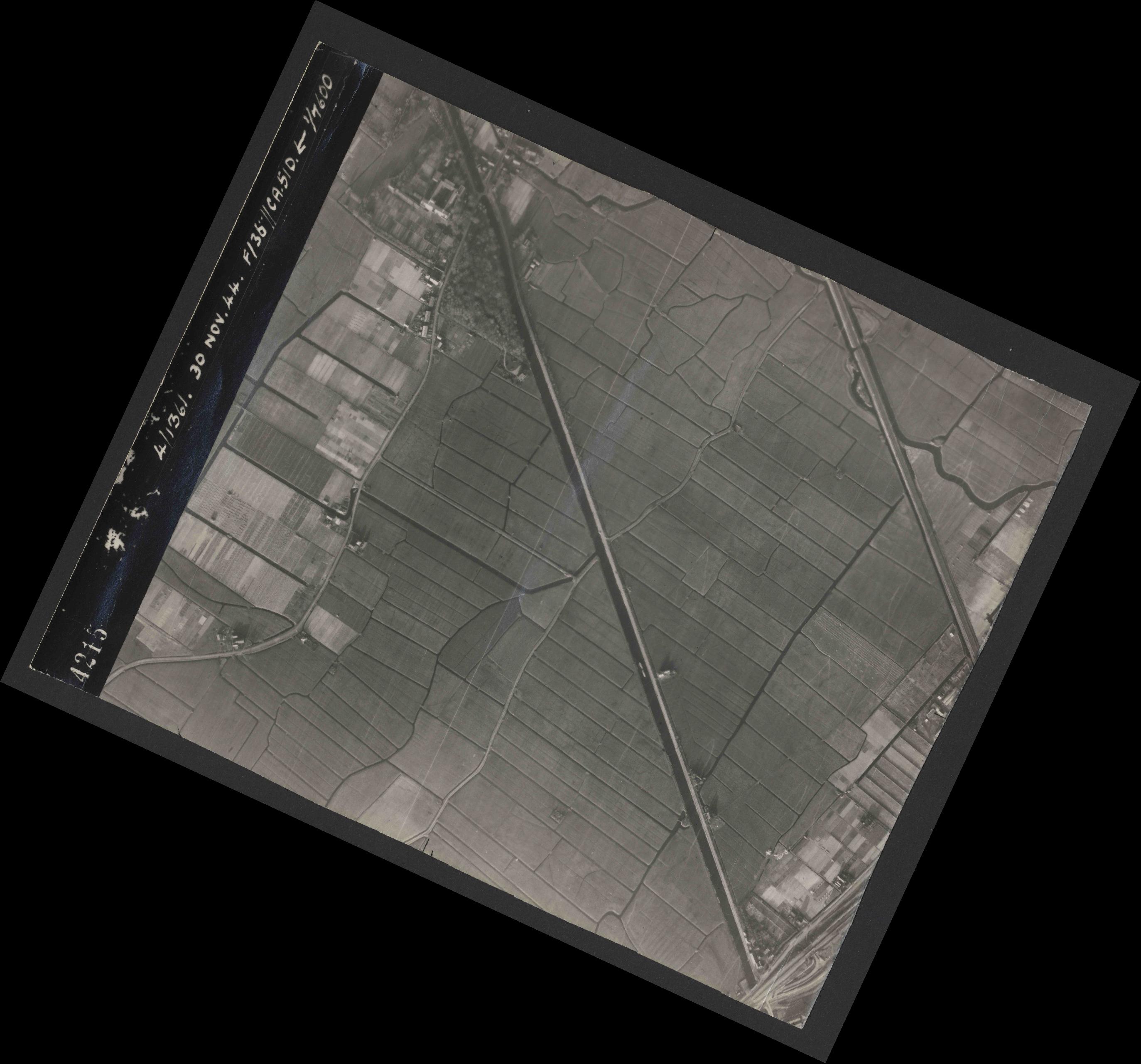 Collection RAF aerial photos 1940-1945 - flight 151, run 05, photo 4215