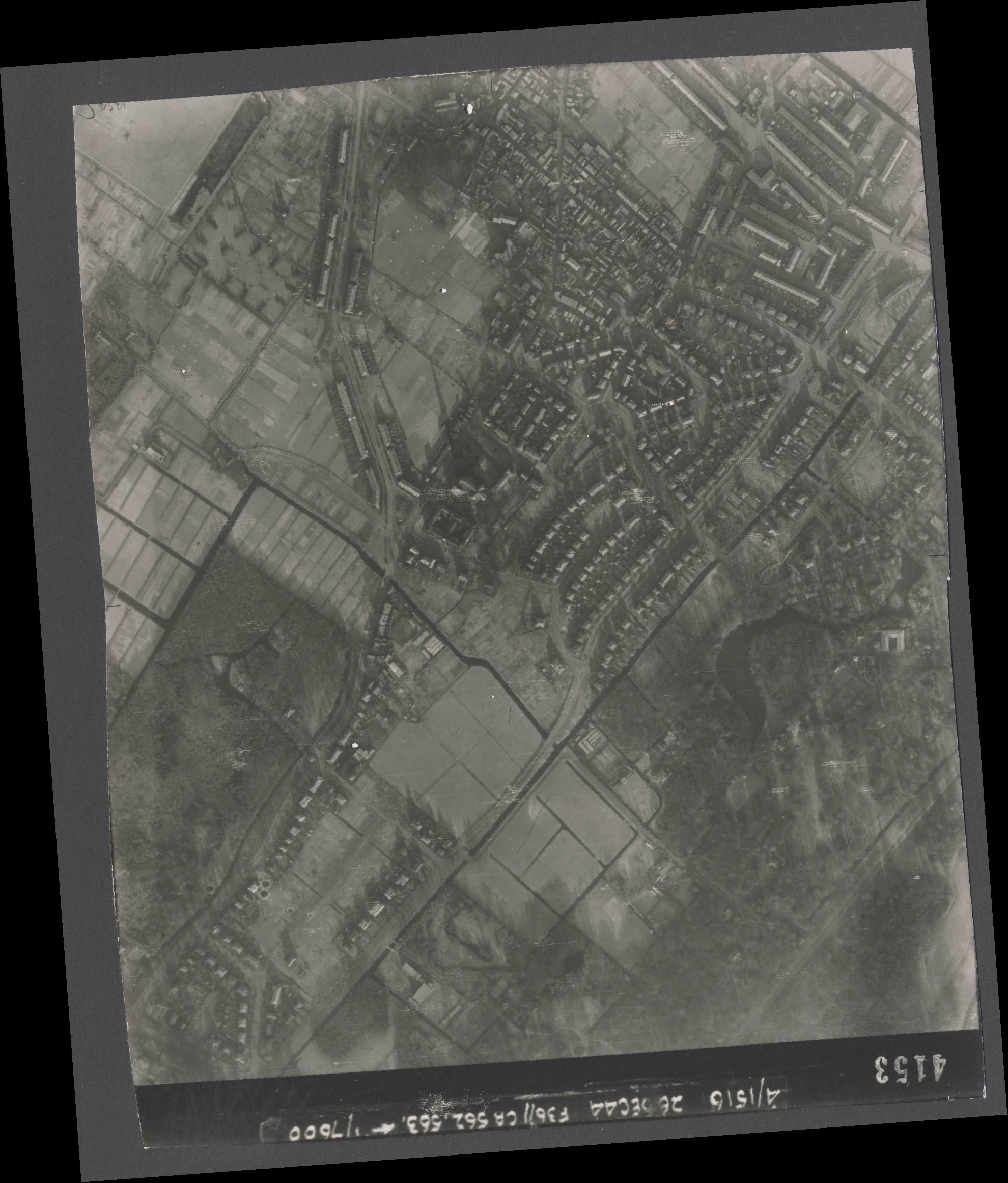 Collection RAF aerial photos 1940-1945 - flight 152, run 06, photo 4153