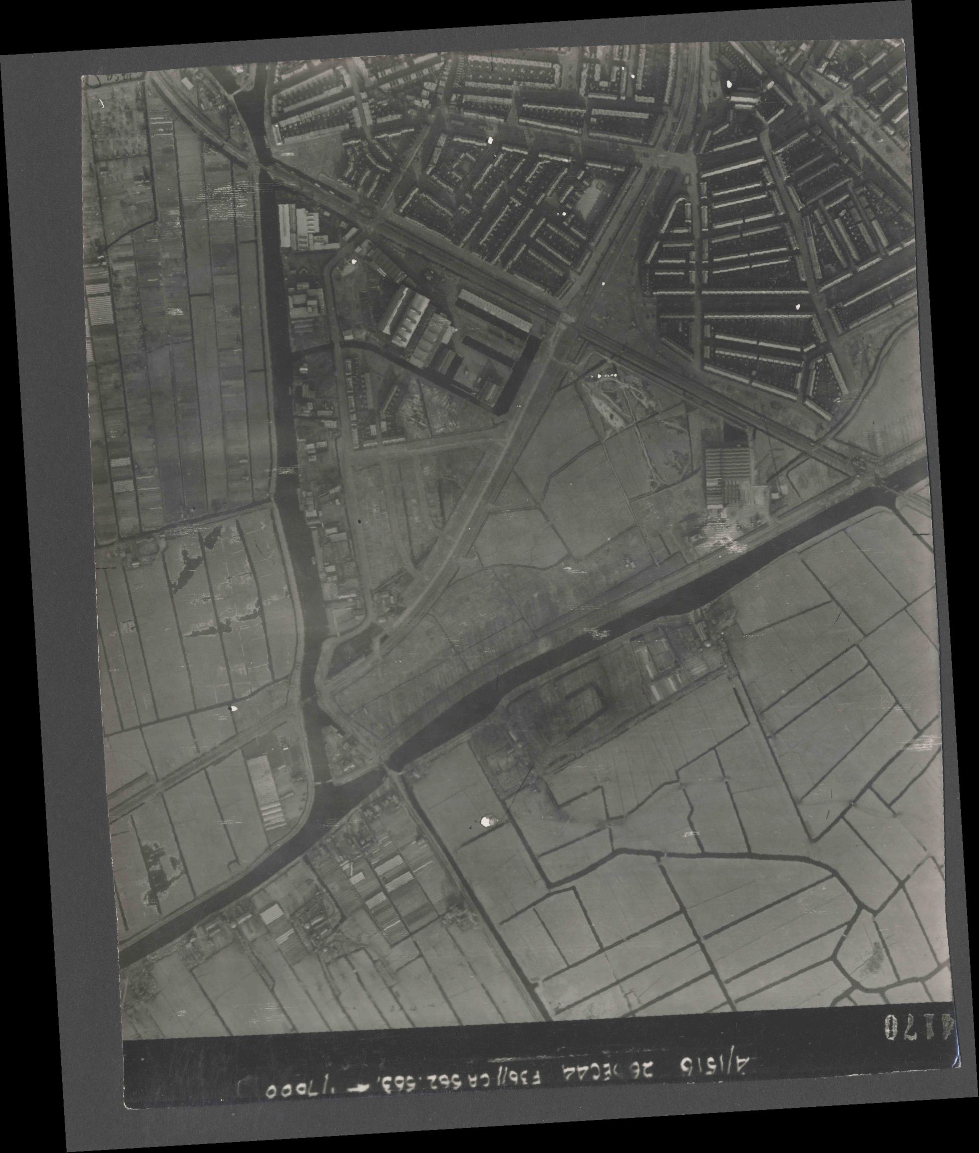 Collection RAF aerial photos 1940-1945 - flight 152, run 06, photo 4170