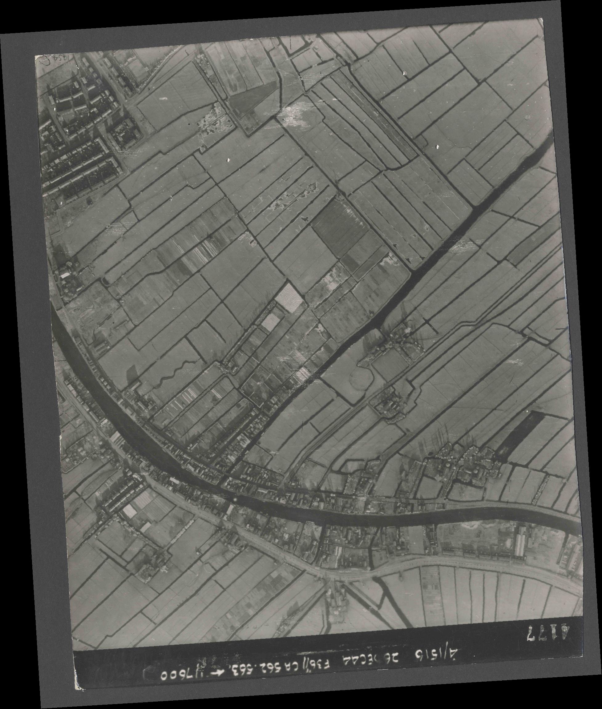 Collection RAF aerial photos 1940-1945 - flight 152, run 06, photo 4177
