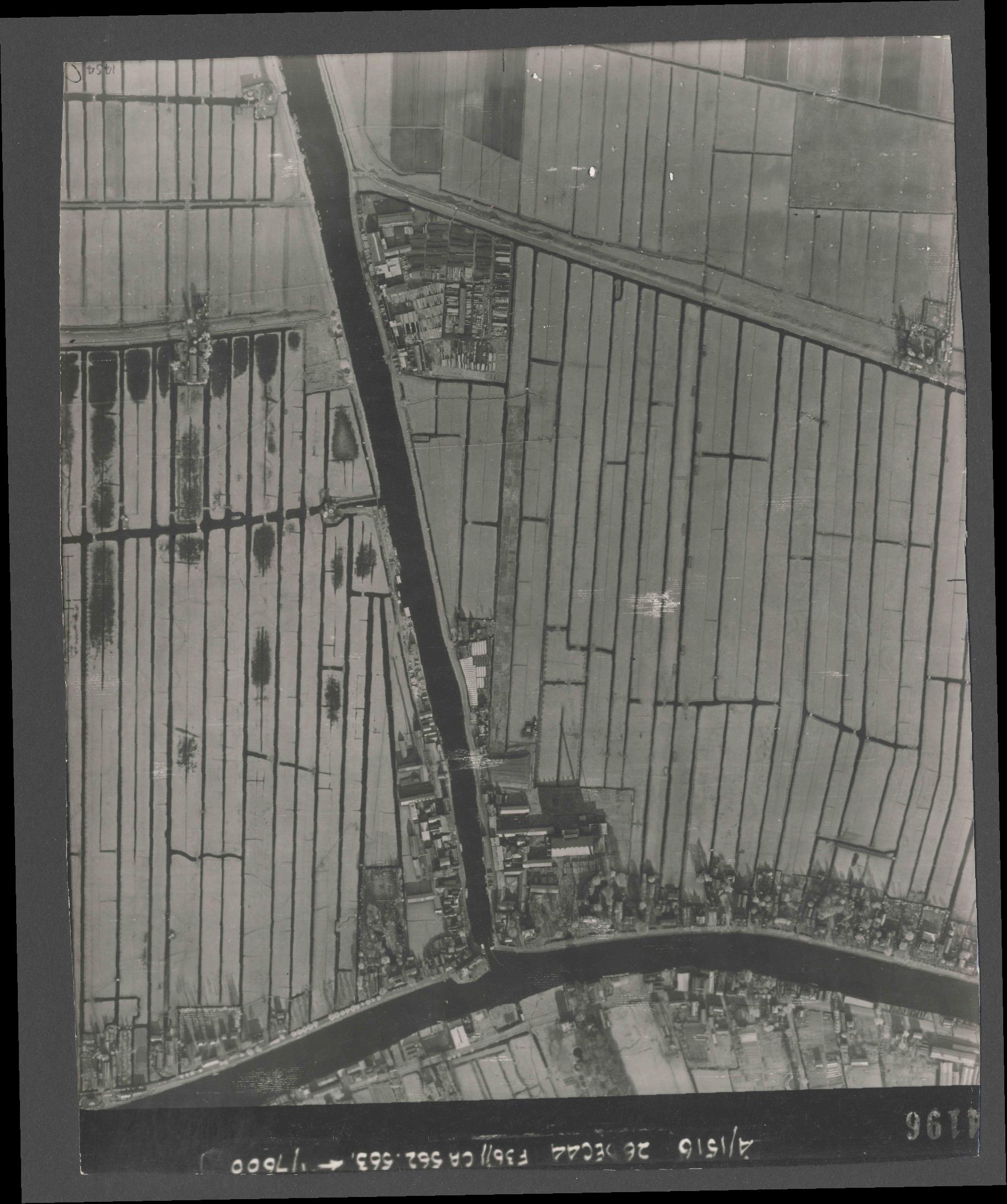 Collection RAF aerial photos 1940-1945 - flight 152, run 06, photo 4196