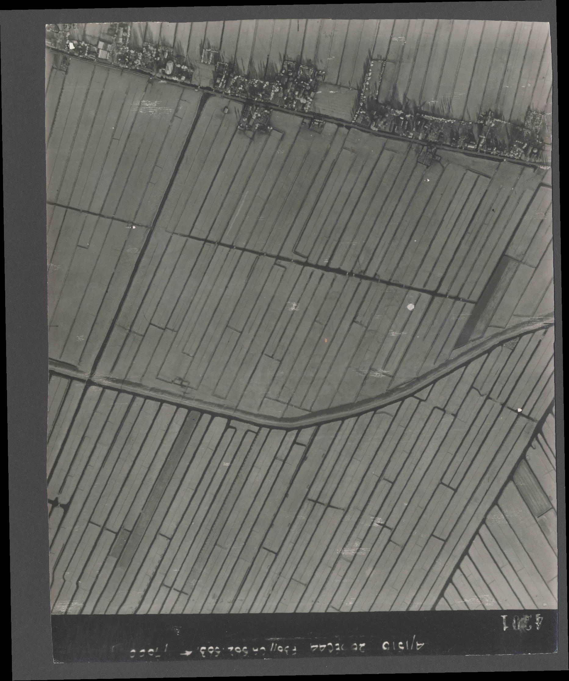 Collection RAF aerial photos 1940-1945 - flight 152, run 06, photo 4201