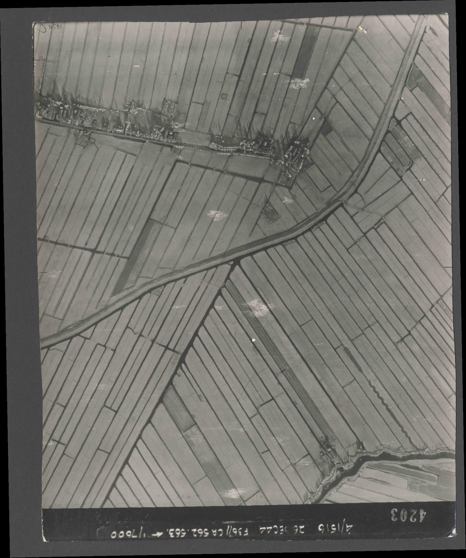 Collection RAF aerial photos 1940-1945 - flight 152, run 06, photo 4203