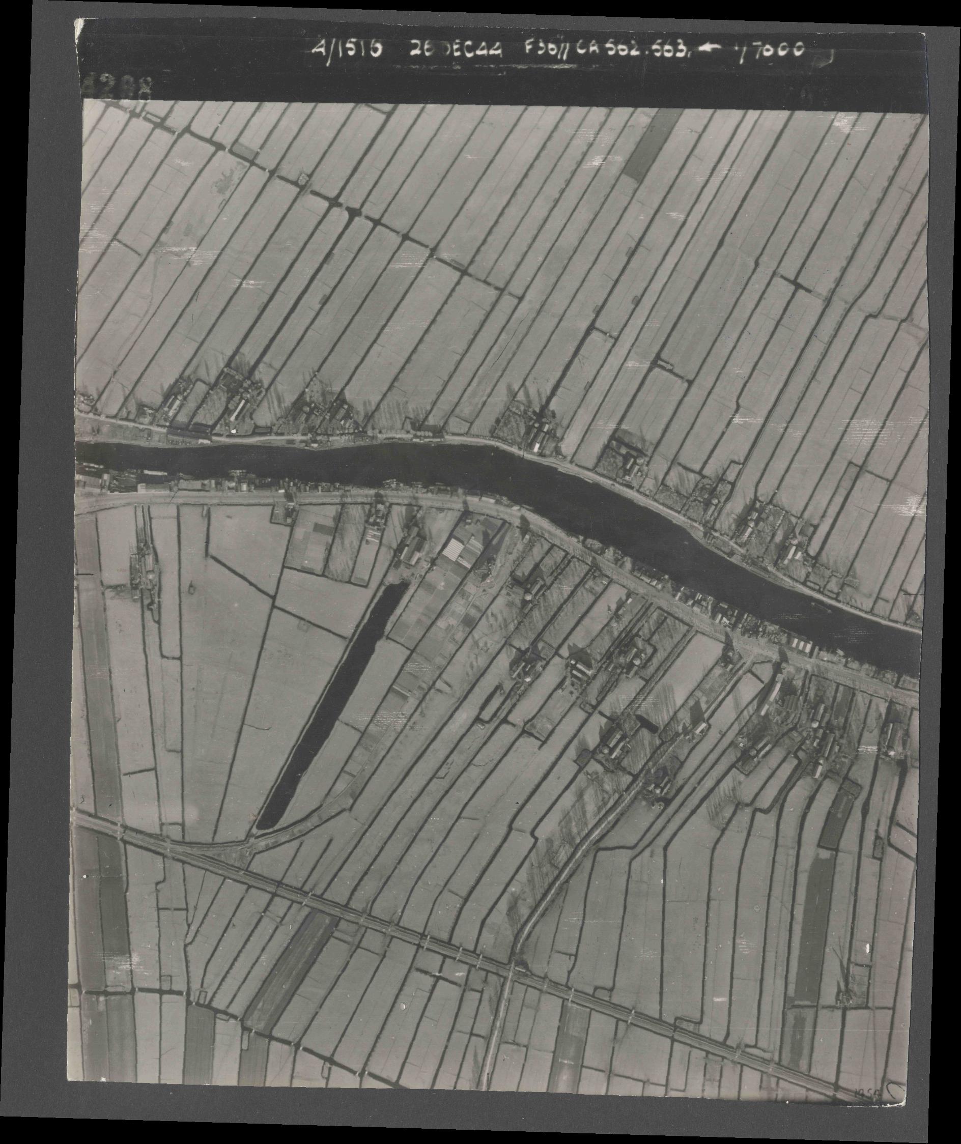 Collection RAF aerial photos 1940-1945 - flight 152, run 07, photo 4208