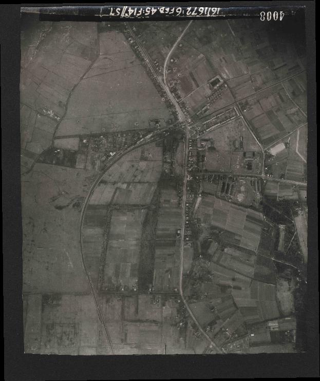 Collection RAF aerial photos 1940-1945 - flight 158, run 03, photo 4008