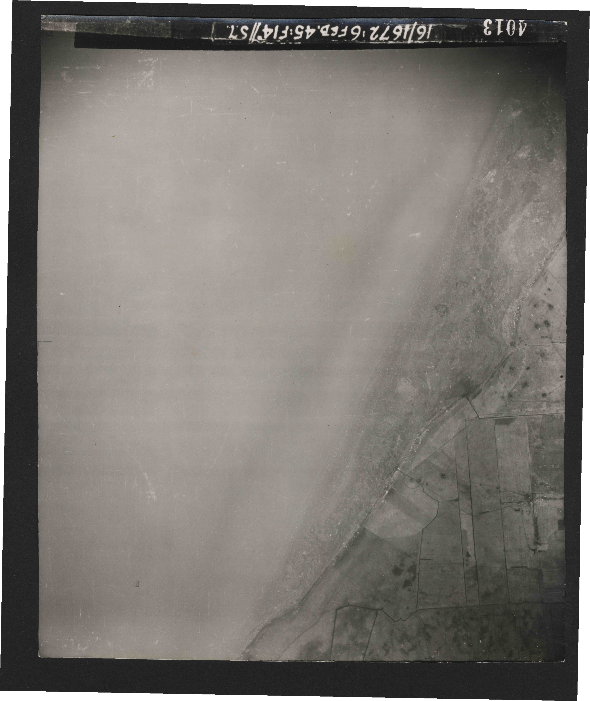 Collection RAF aerial photos 1940-1945 - flight 158, run 03, photo 4013