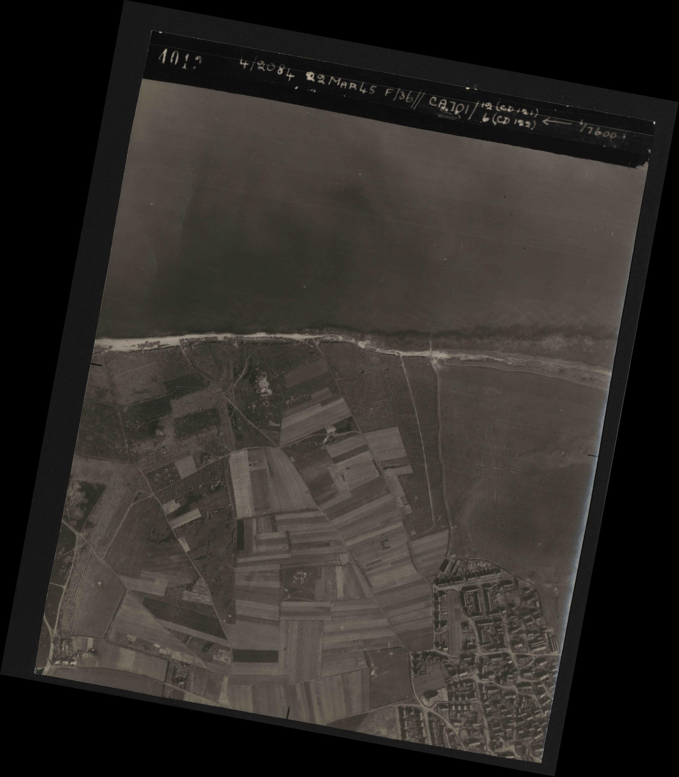Collection RAF aerial photos 1940-1945 - flight 163, run 01, photo 4013