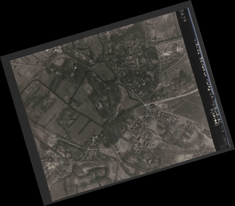 Collection RAF aerial photos 1940-1945 - flight 163, run 03, photo 3029