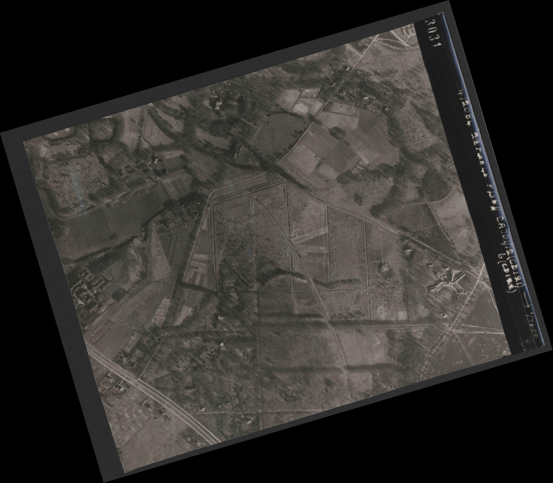 Collection RAF aerial photos 1940-1945 - flight 163, run 03, photo 3031
