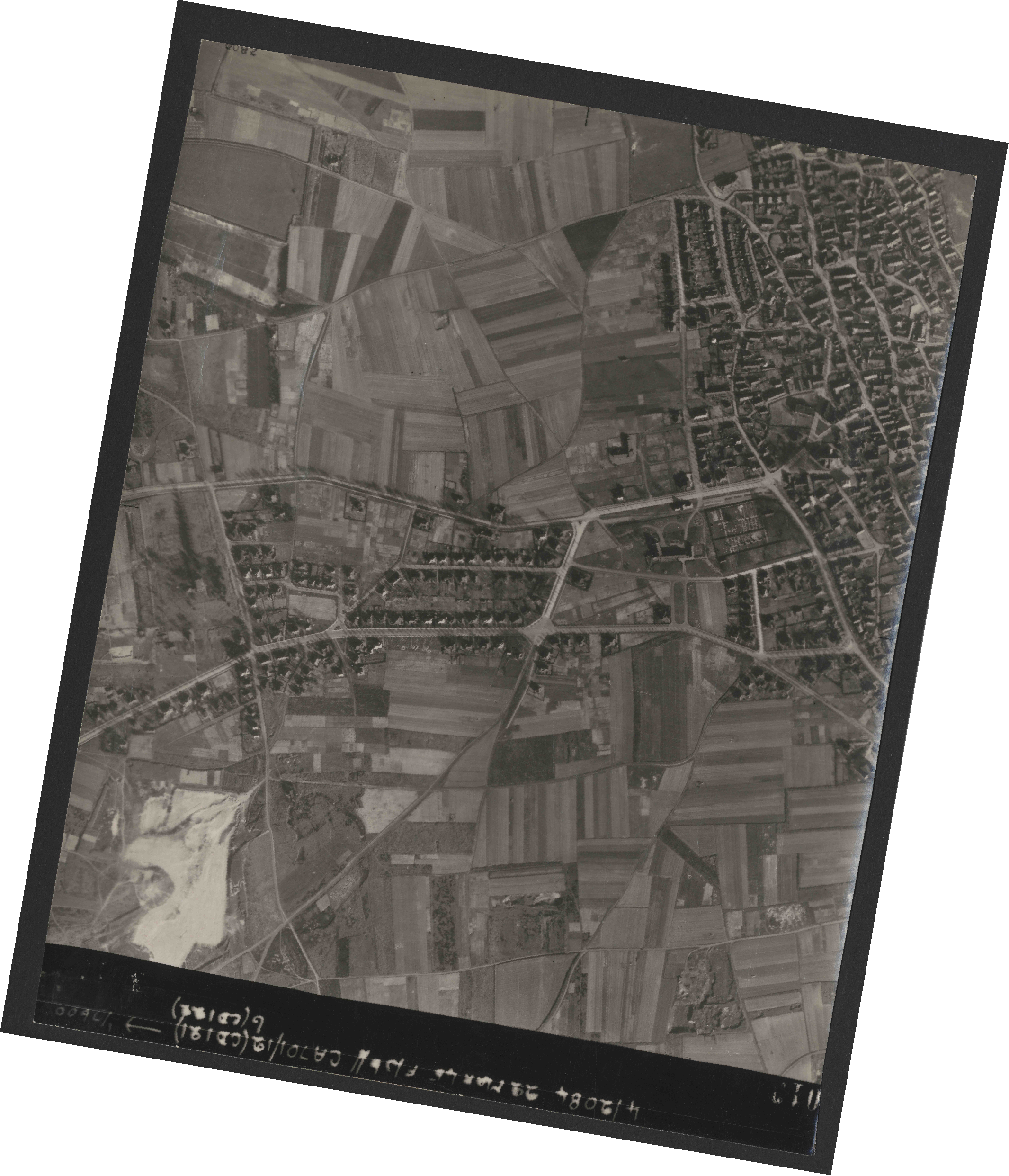 Collection RAF aerial photos 1940-1945 - flight 163, run 04, photo 3013