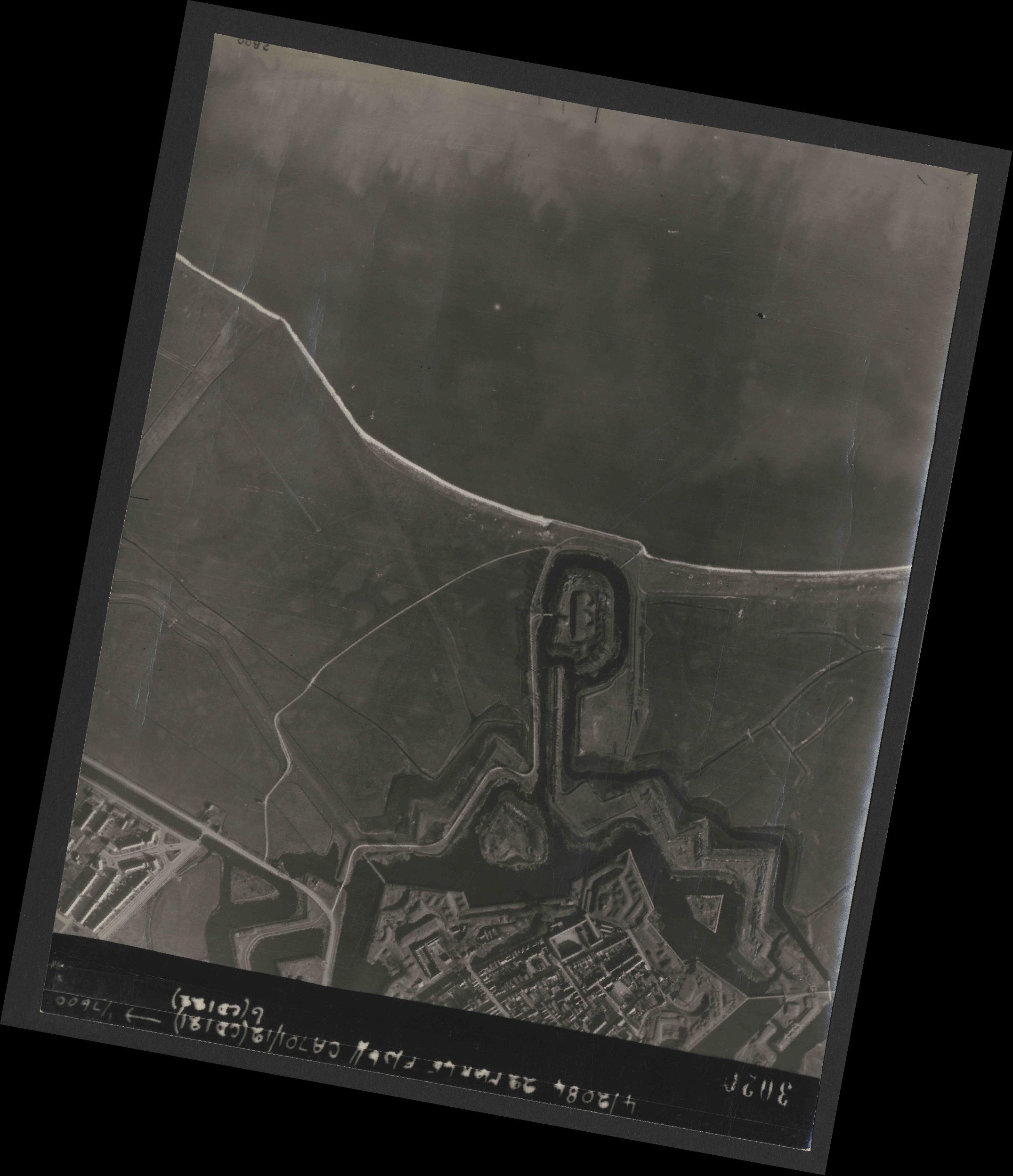 Collection RAF aerial photos 1940-1945 - flight 163, run 04, photo 3020