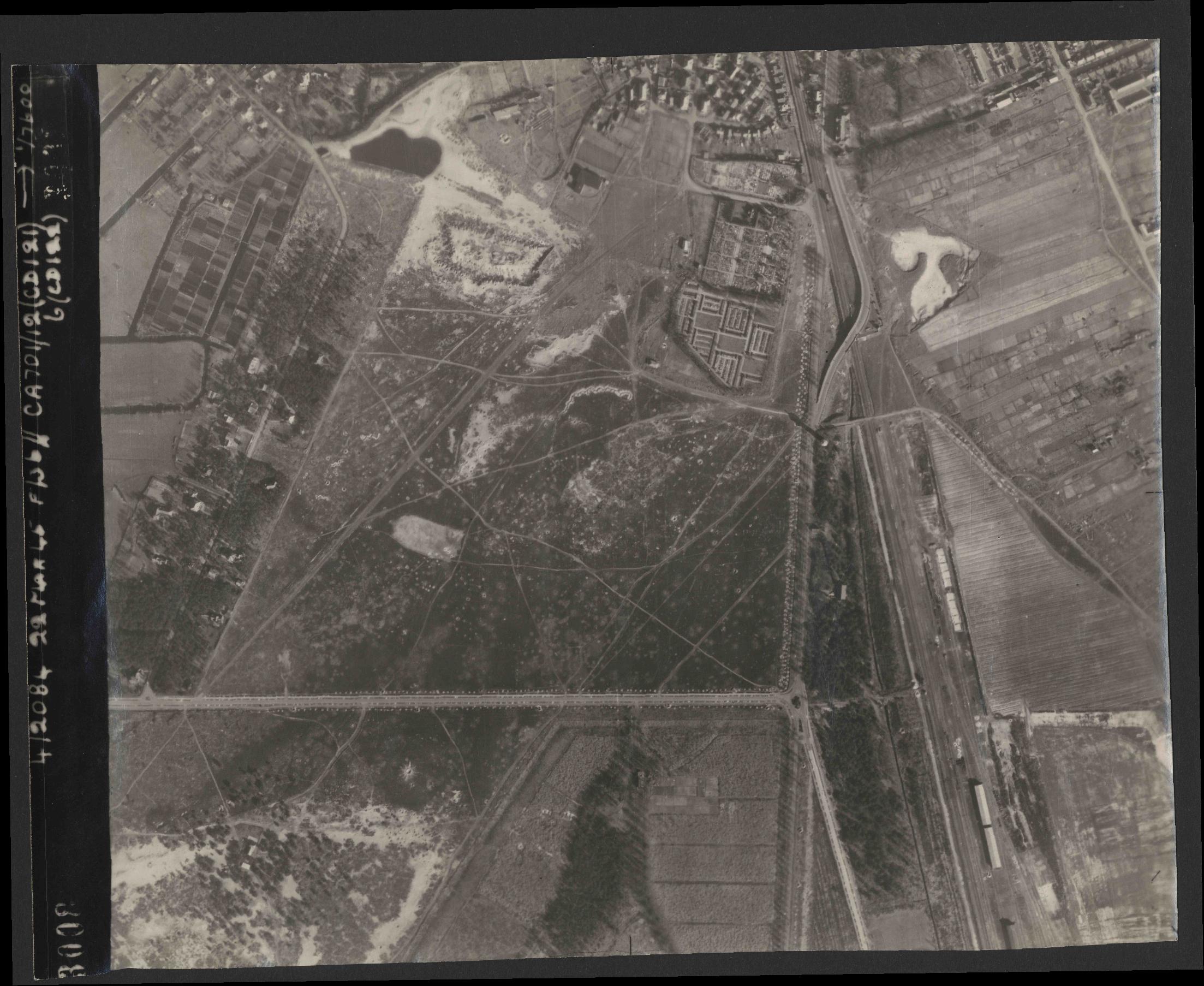 Collection RAF aerial photos 1940-1945 - flight 163, run 05, photo 3008
