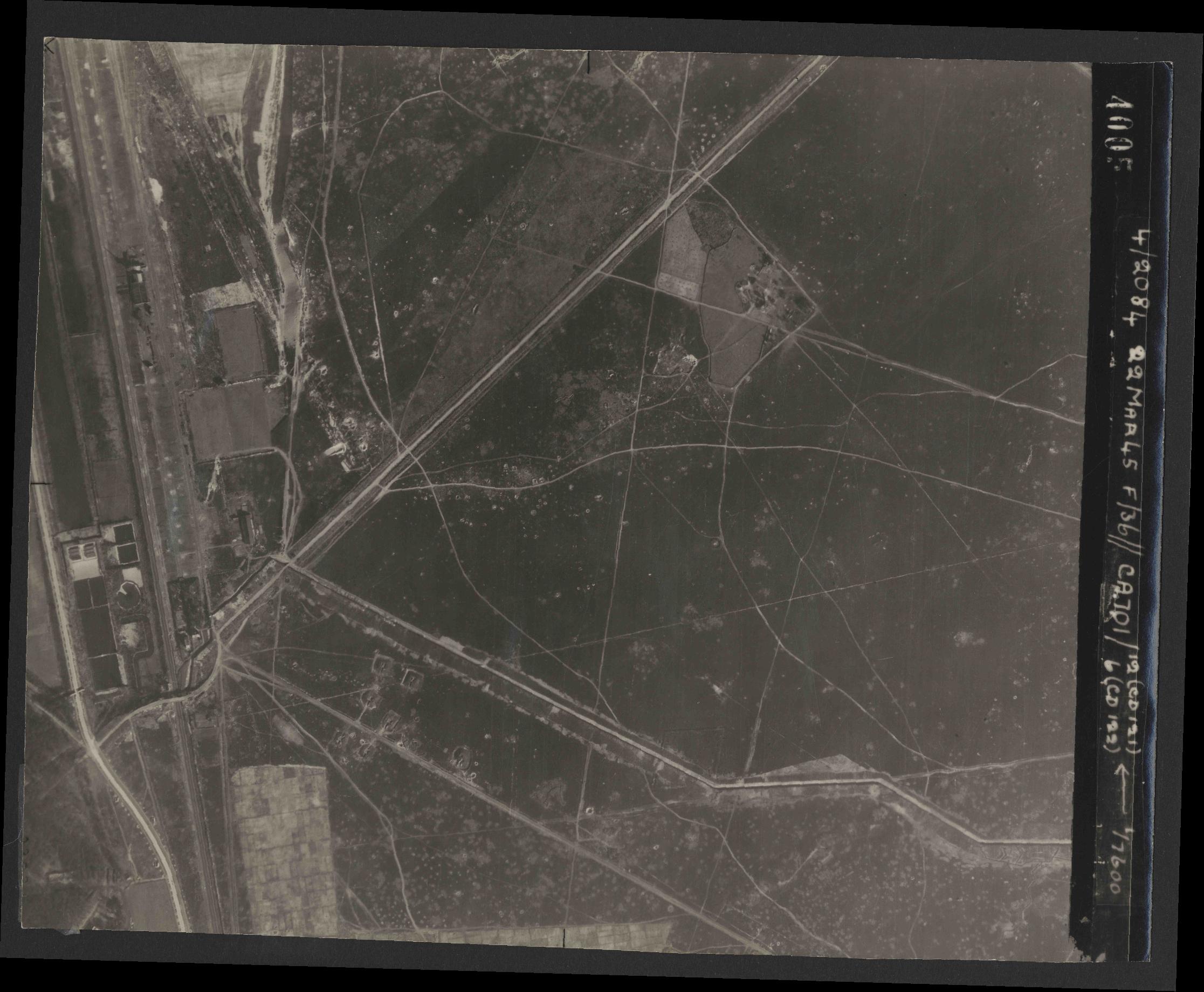 Collection RAF aerial photos 1940-1945 - flight 163, run 06, photo 4005