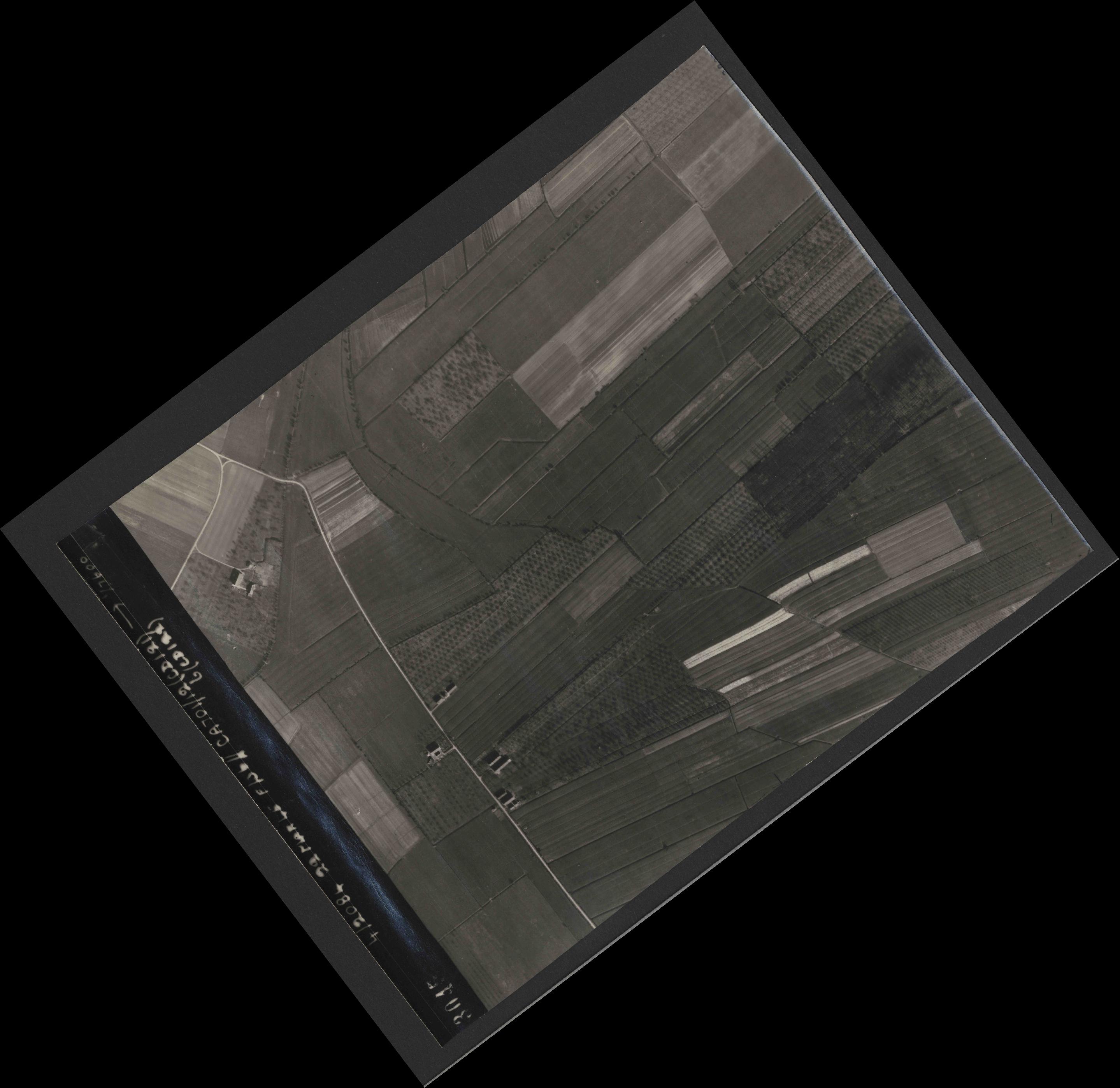 Collection RAF aerial photos 1940-1945 - flight 163, run 07, photo 3045