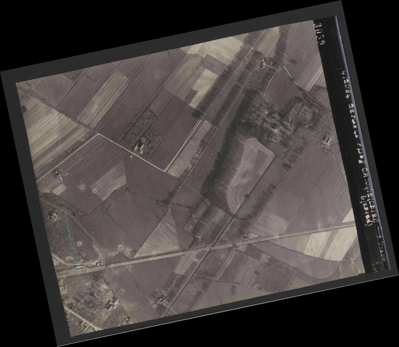 Collection RAF aerial photos 1940-1945 - flight 163, run 10, photo 3059