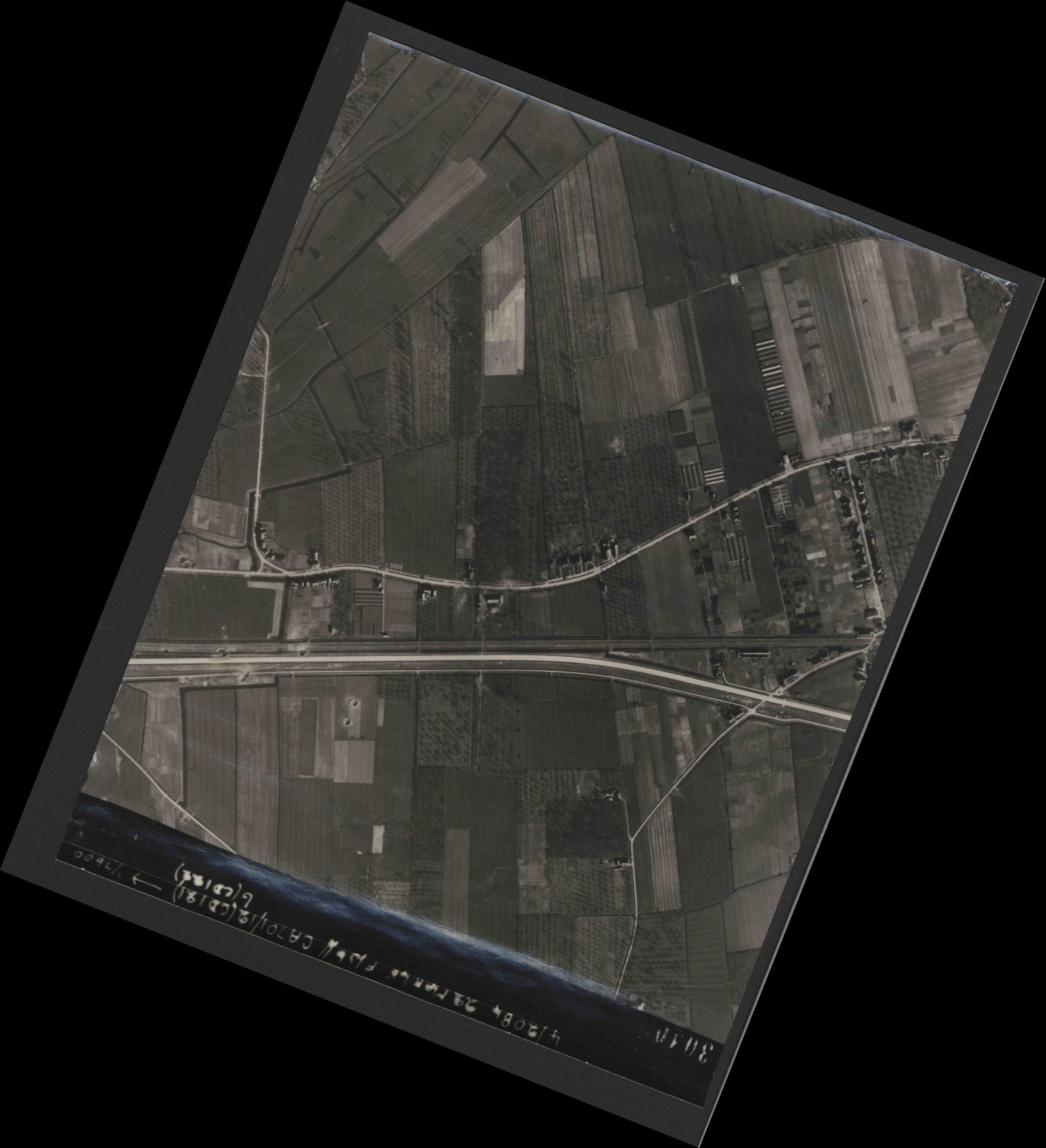Collection RAF aerial photos 1940-1945 - flight 163, run 11, photo 3040