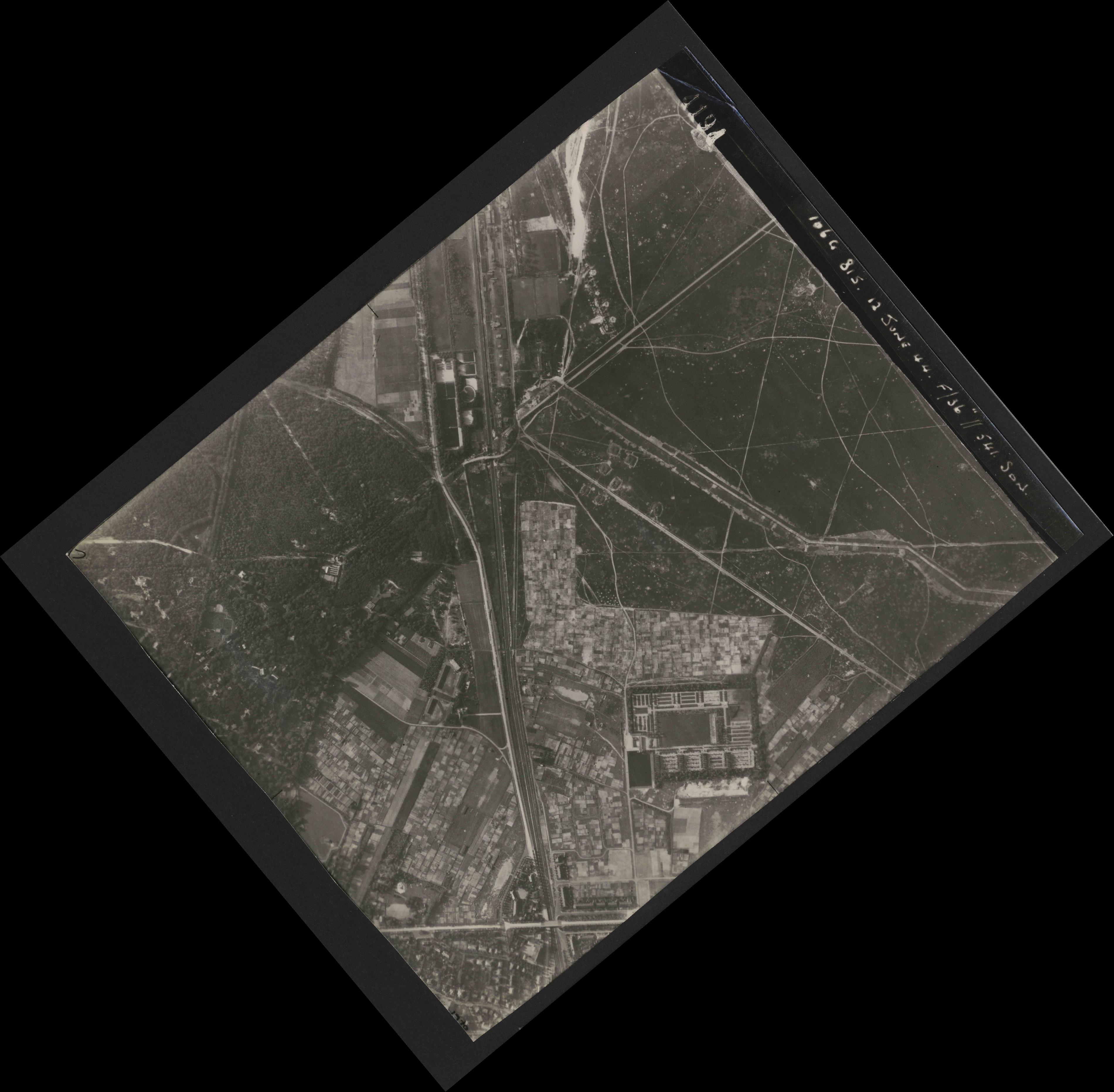 Collection RAF aerial photos 1940-1945 - flight 175, run 01, photo 4194