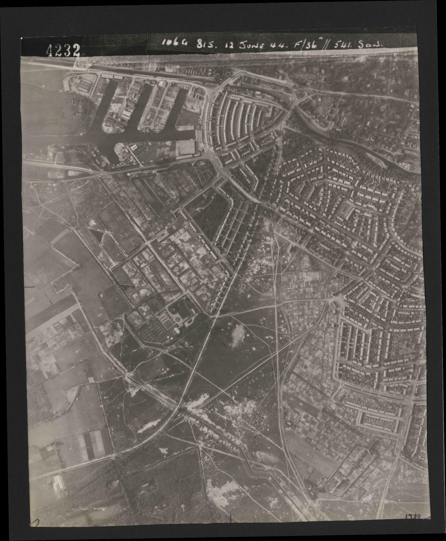 Collection RAF aerial photos 1940-1945 - flight 175, run 05, photo 4232