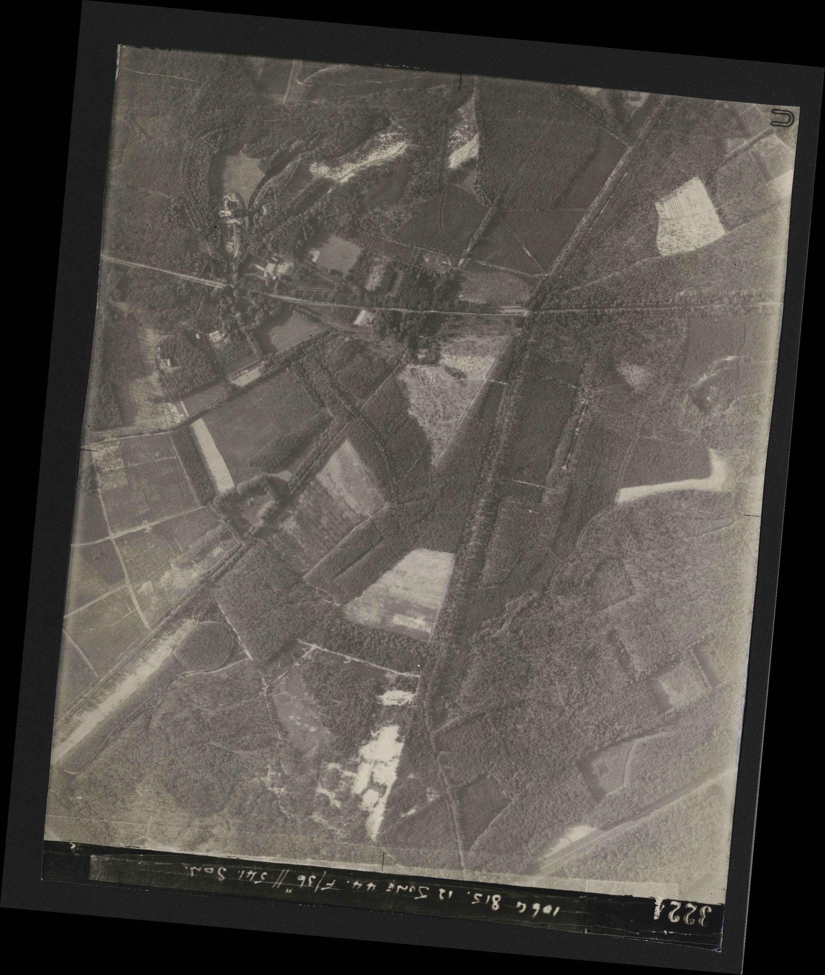 Collection RAF aerial photos 1940-1945 - flight 175, run 06, photo 3224