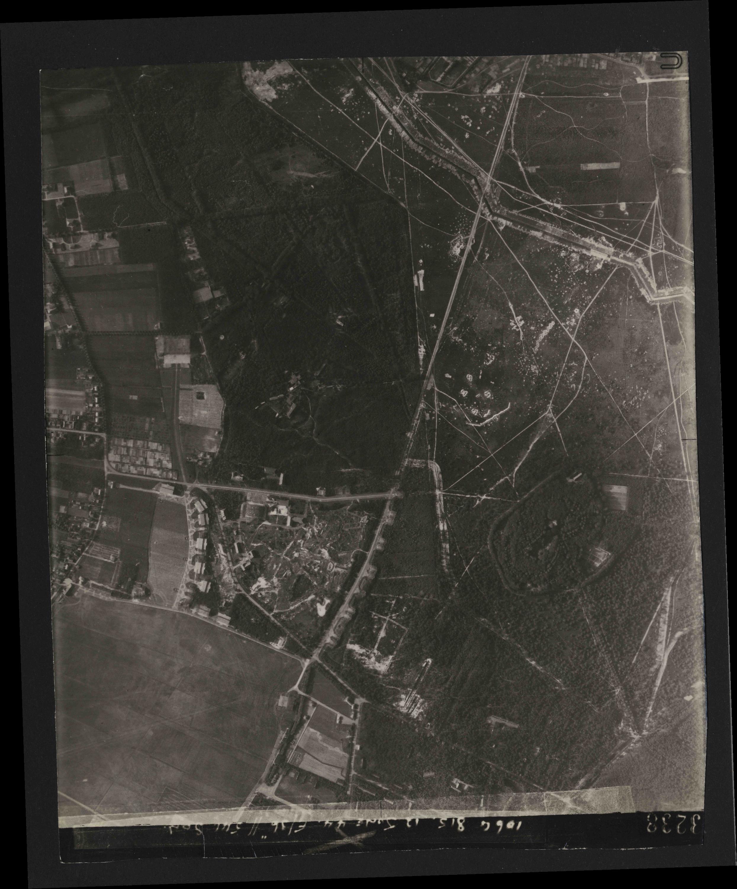 Collection RAF aerial photos 1940-1945 - flight 175, run 06, photo 3238