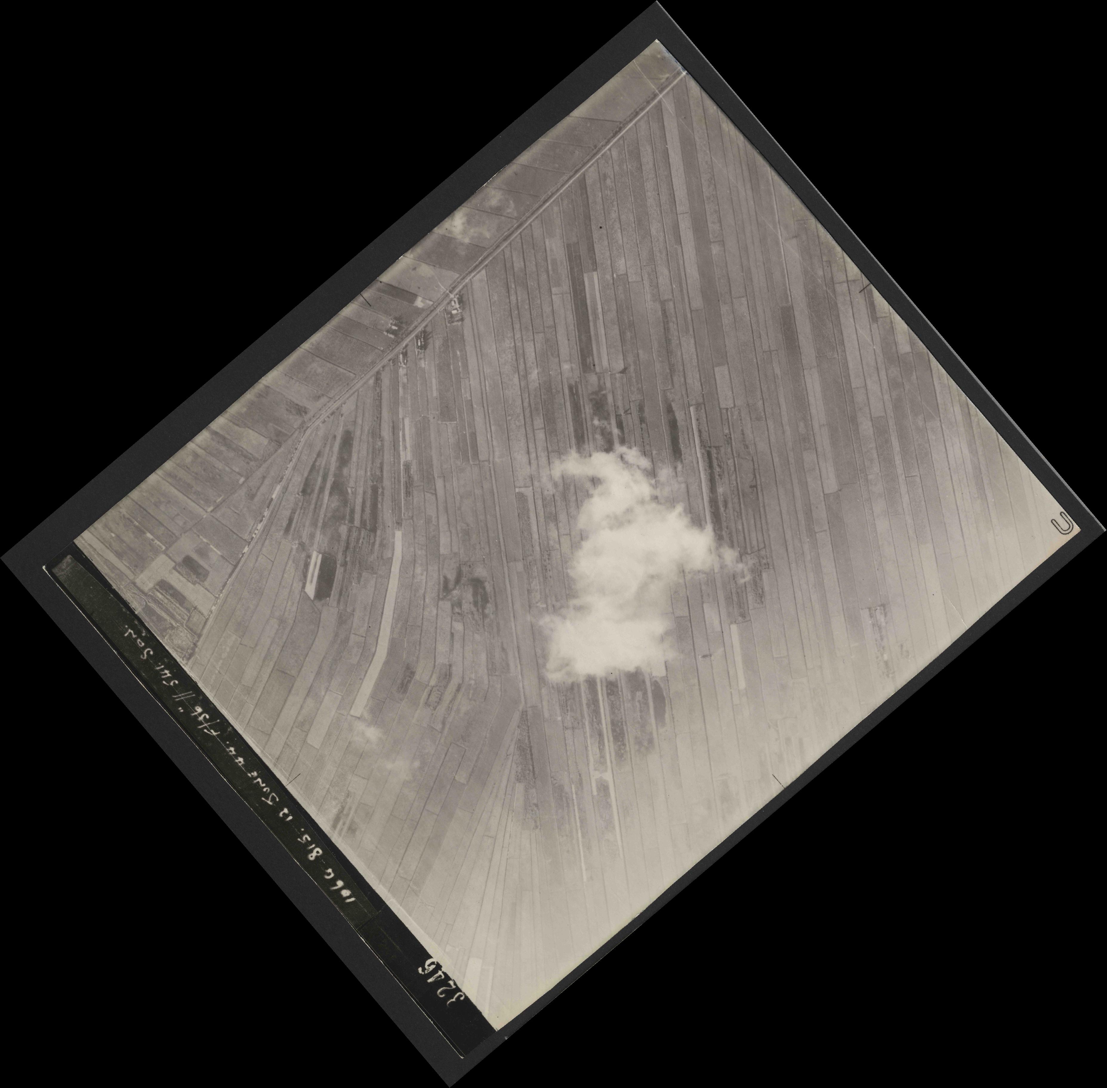 Collection RAF aerial photos 1940-1945 - flight 175, run 09, photo 3246