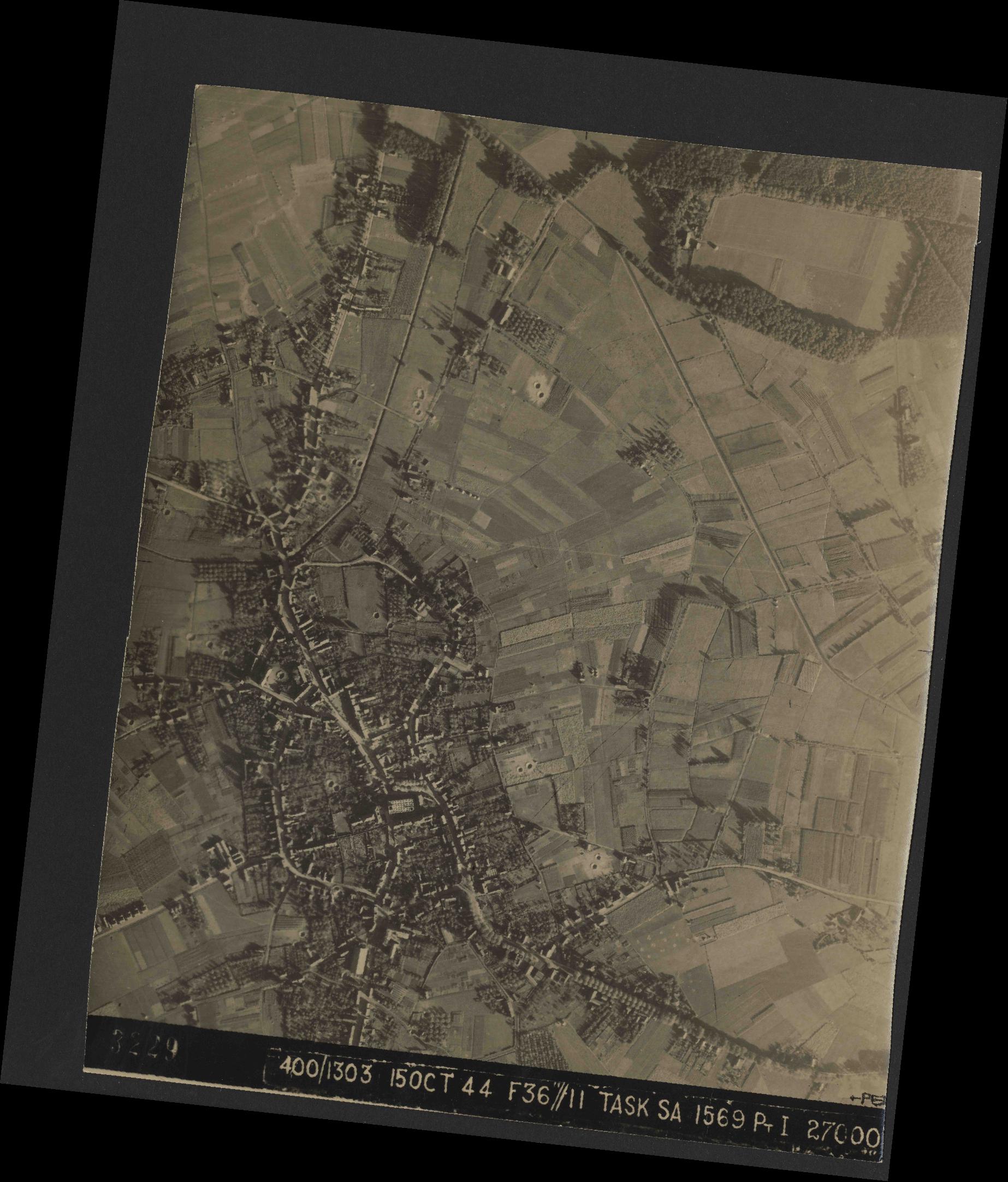 Collection RAF aerial photos 1940-1945 - flight 178, run 21, photo 3229
