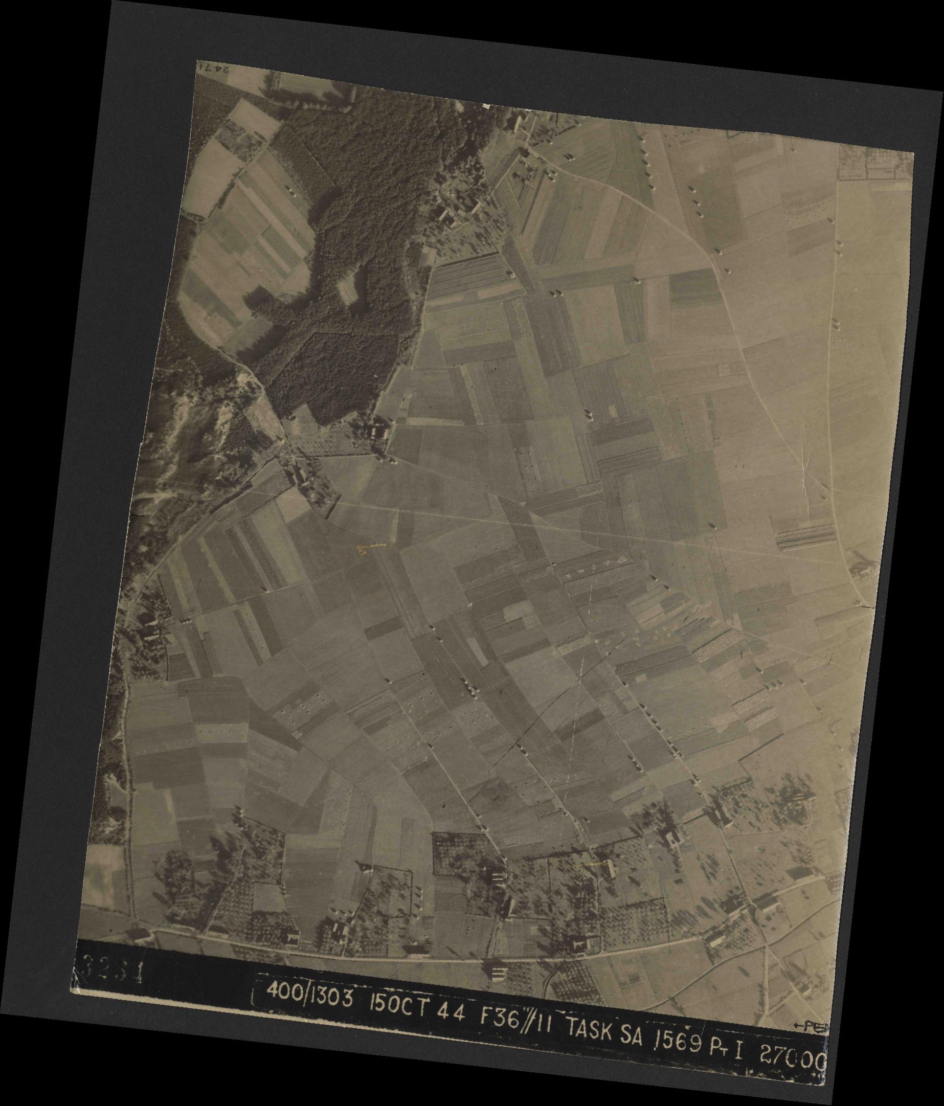 Collection RAF aerial photos 1940-1945 - flight 178, run 21, photo 3234