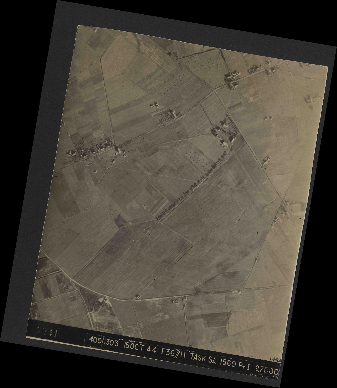Collection RAF aerial photos 1940-1945 - flight 178, run 21, photo 3241