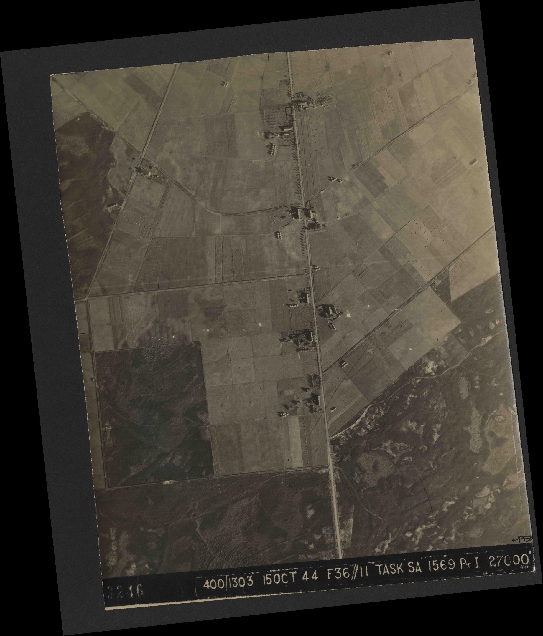 Collection RAF aerial photos 1940-1945 - flight 178, run 21, photo 3246