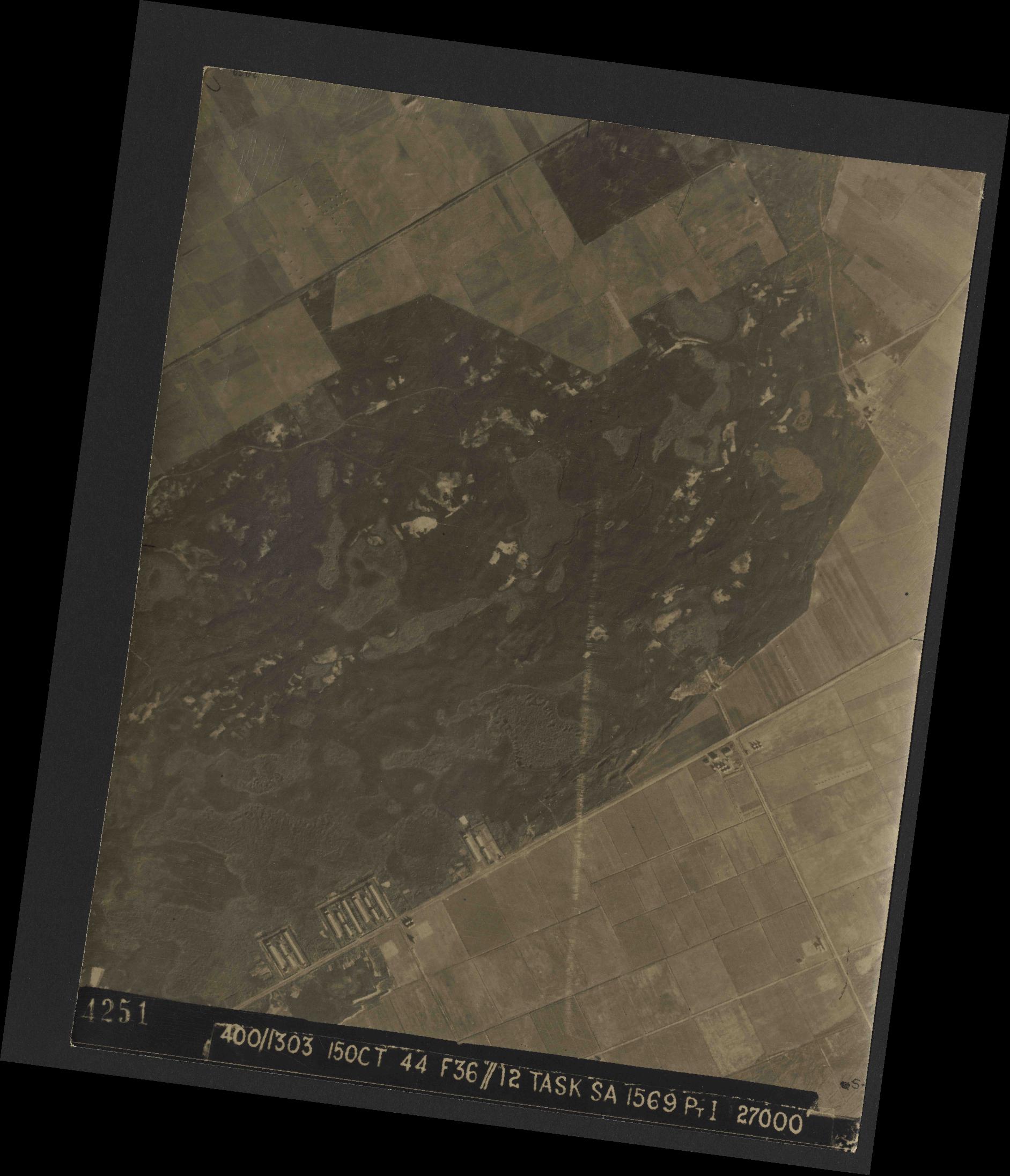 Collection RAF aerial photos 1940-1945 - flight 178, run 22, photo 4251