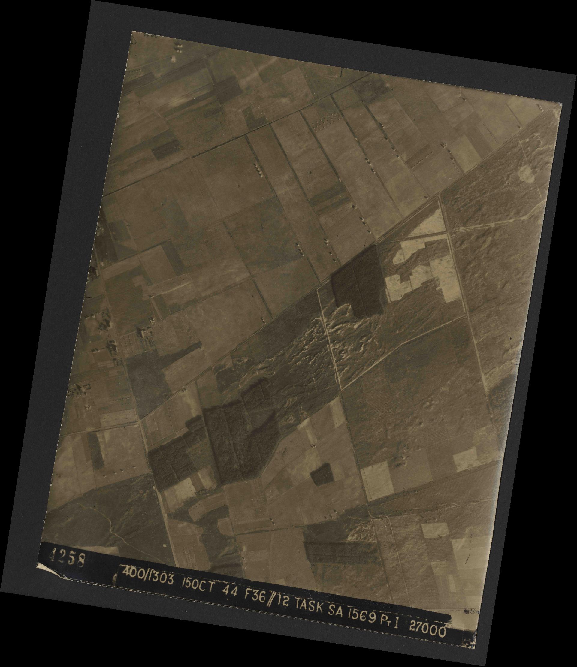 Collection RAF aerial photos 1940-1945 - flight 178, run 22, photo 4258