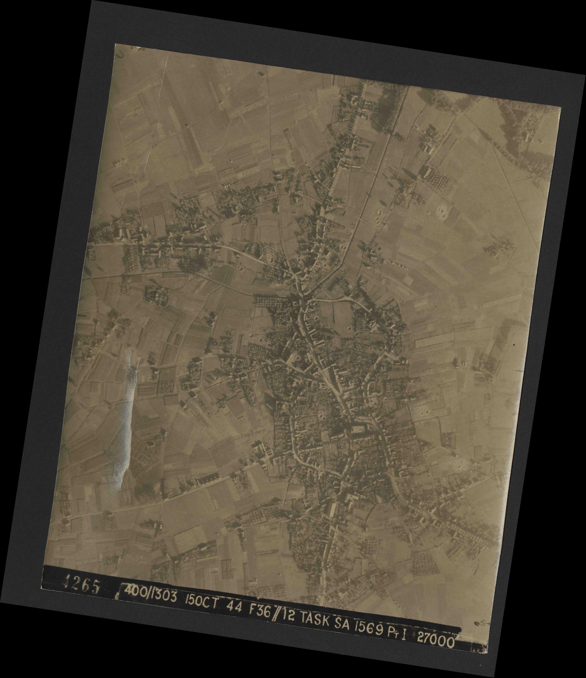 Collection RAF aerial photos 1940-1945 - flight 178, run 22, photo 4265