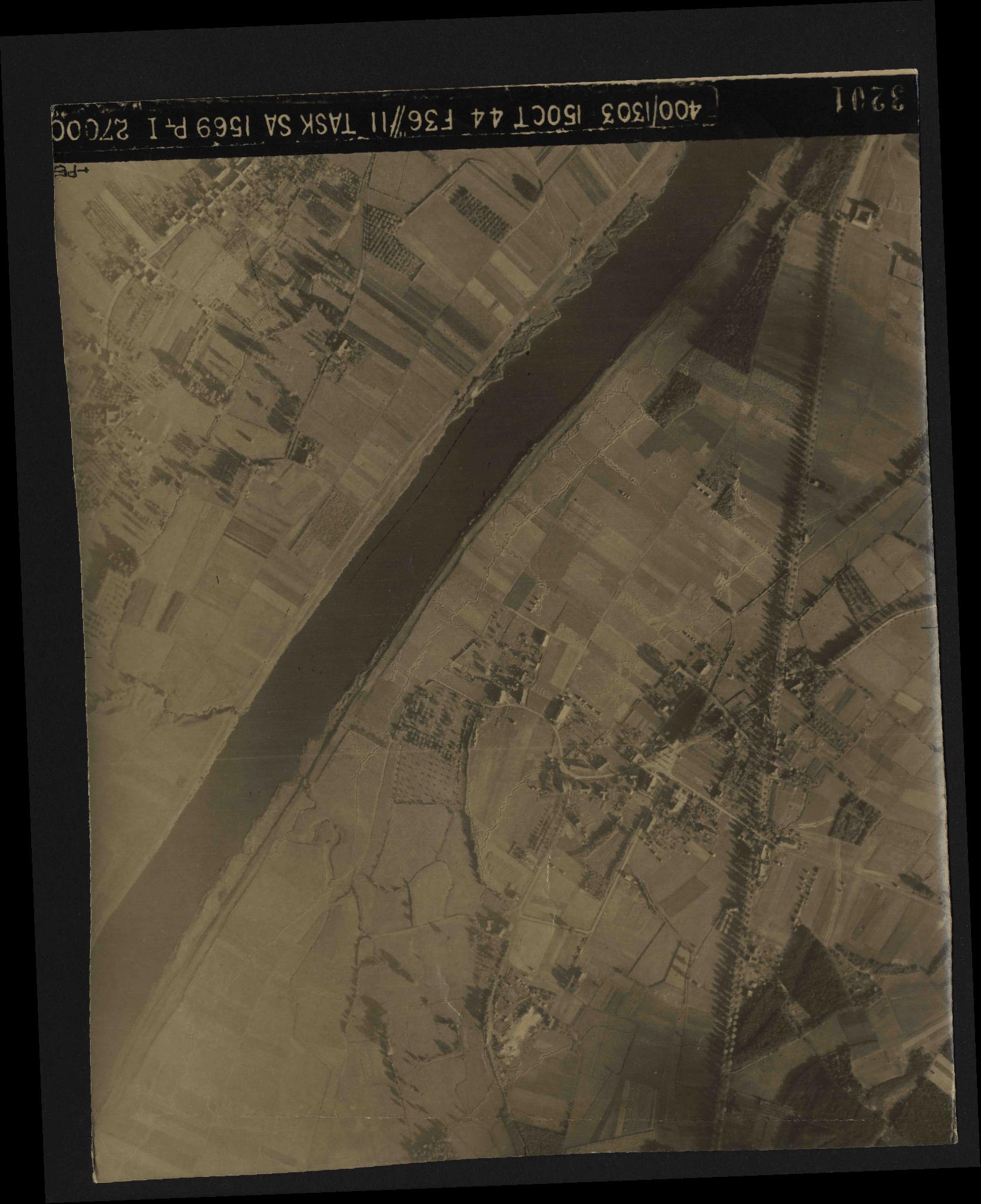 Collection RAF aerial photos 1940-1945 - flight 178, run 23, photo 3201