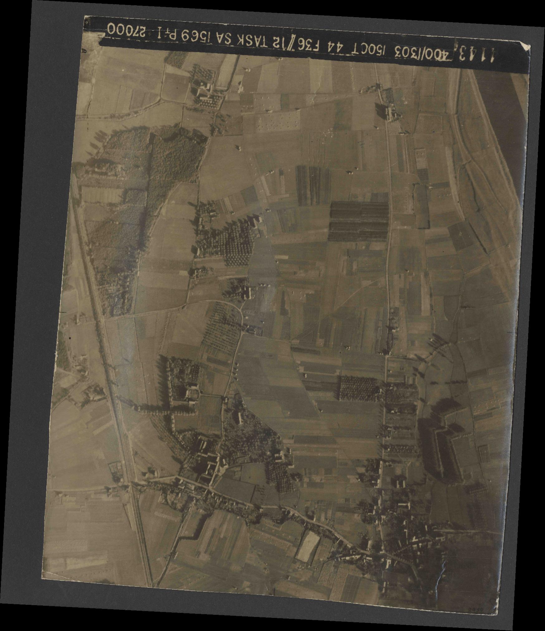 Collection RAF aerial photos 1940-1945 - flight 178, run 24, photo 4143