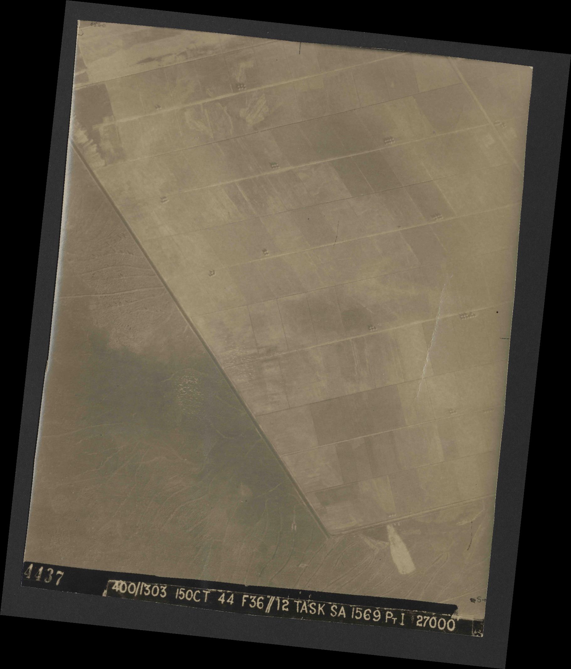 Collection RAF aerial photos 1940-1945 - flight 178, run 31, photo 4437
