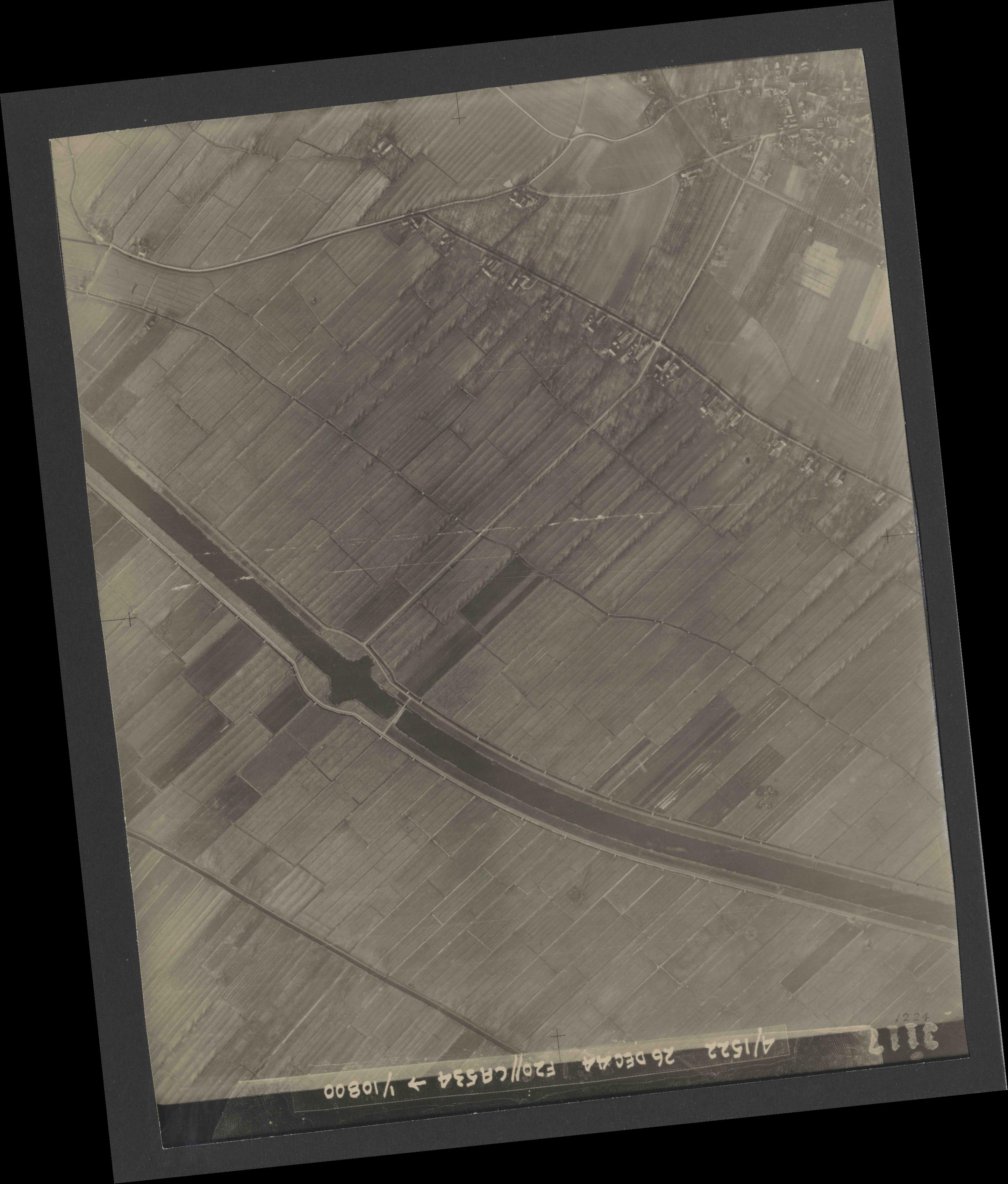 Collection RAF aerial photos 1940-1945 - flight 181, run 06, photo 3117