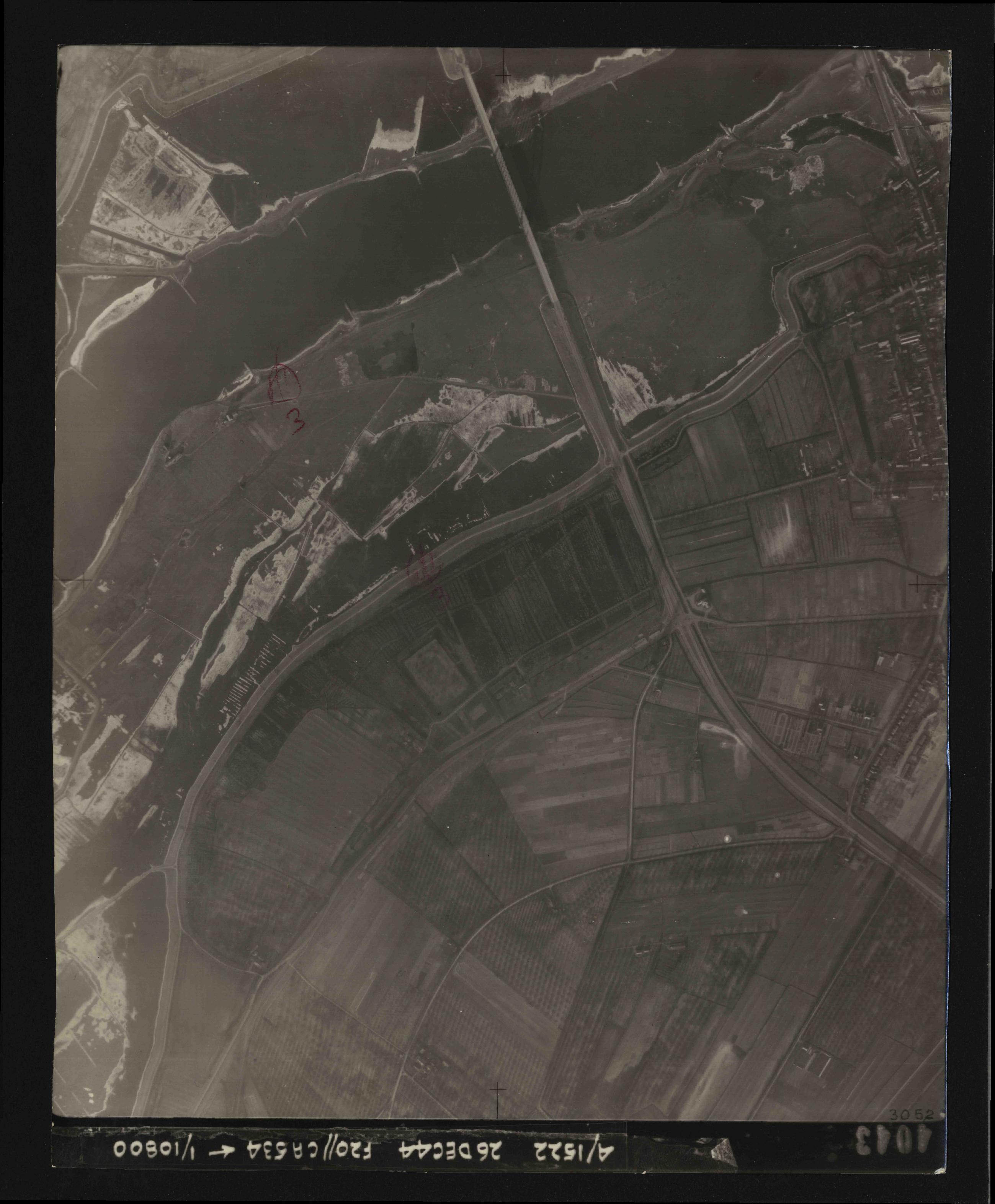 Collection RAF aerial photos 1940-1945 - flight 181, run 07, photo 4043