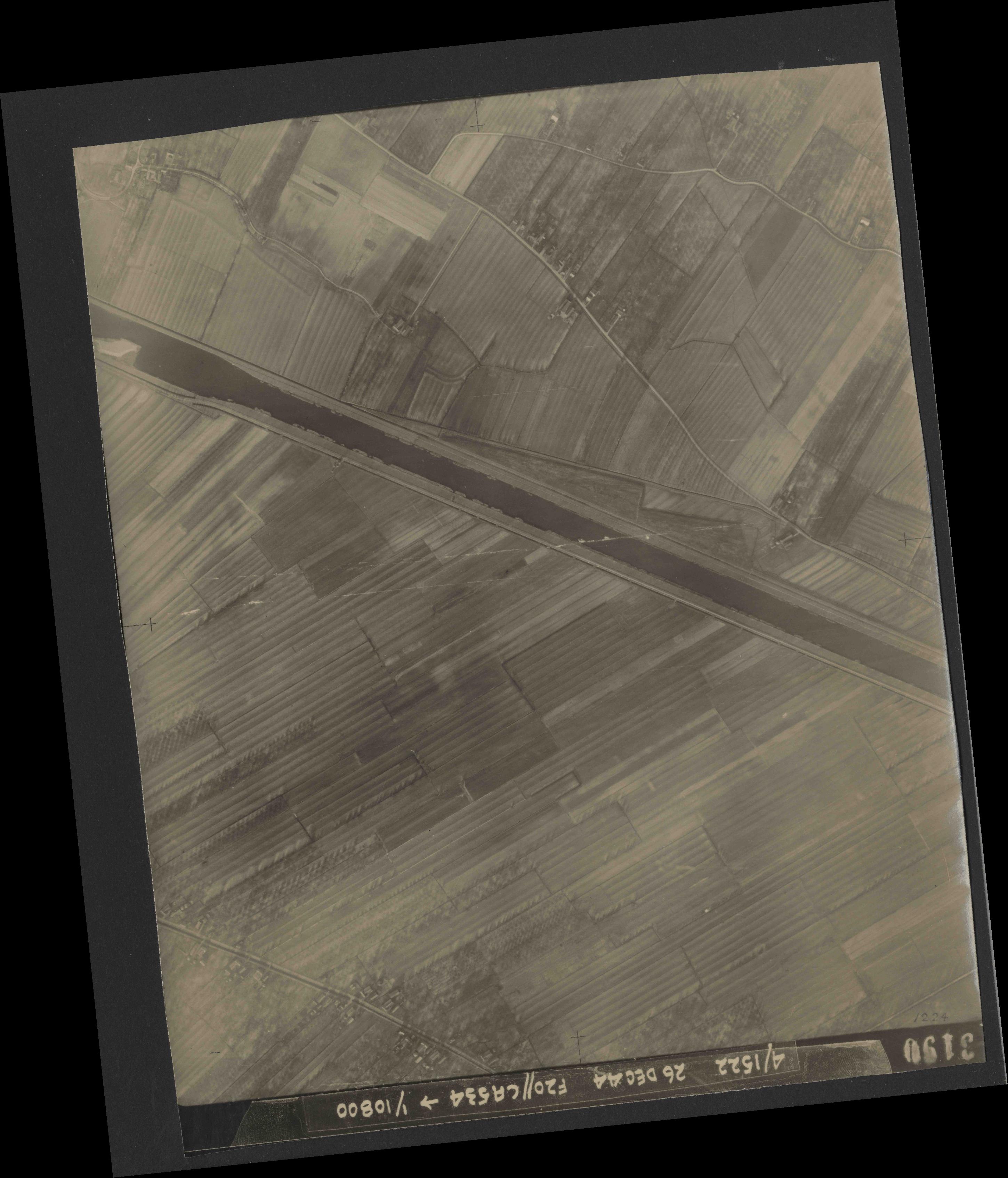 Collection RAF aerial photos 1940-1945 - flight 181, run 08, photo 3190