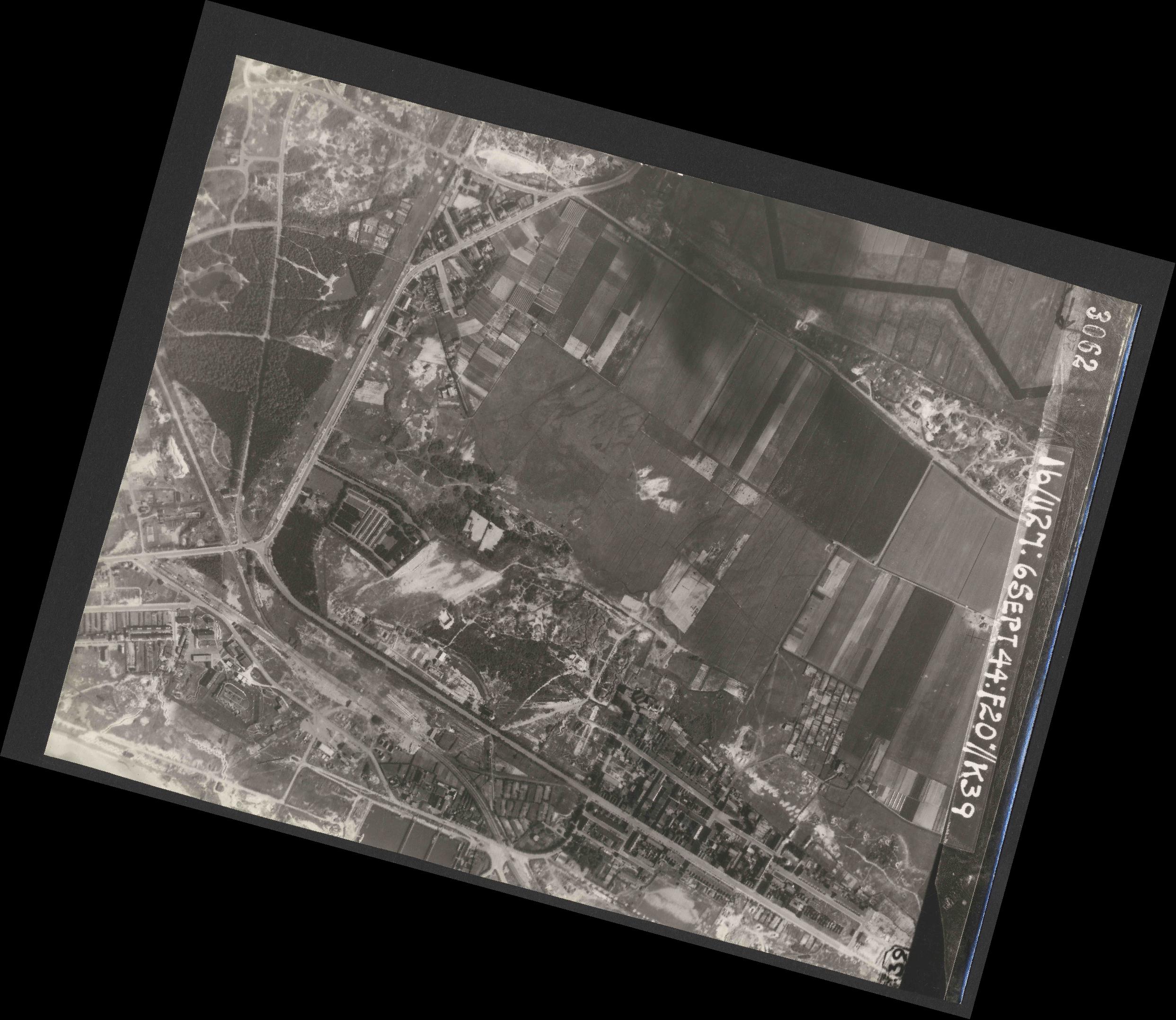 Collection RAF aerial photos 1940-1945 - flight 189, run 05, photo 3062