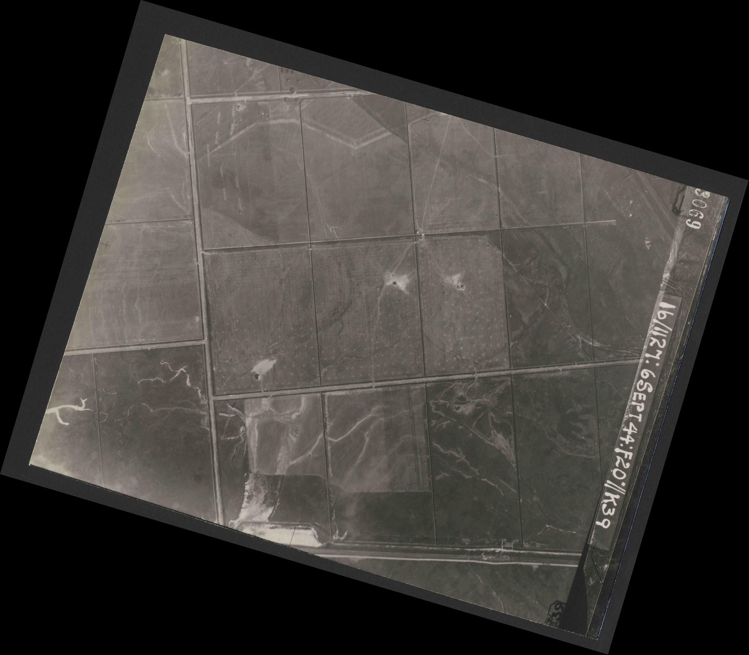 Collection RAF aerial photos 1940-1945 - flight 189, run 05, photo 3069