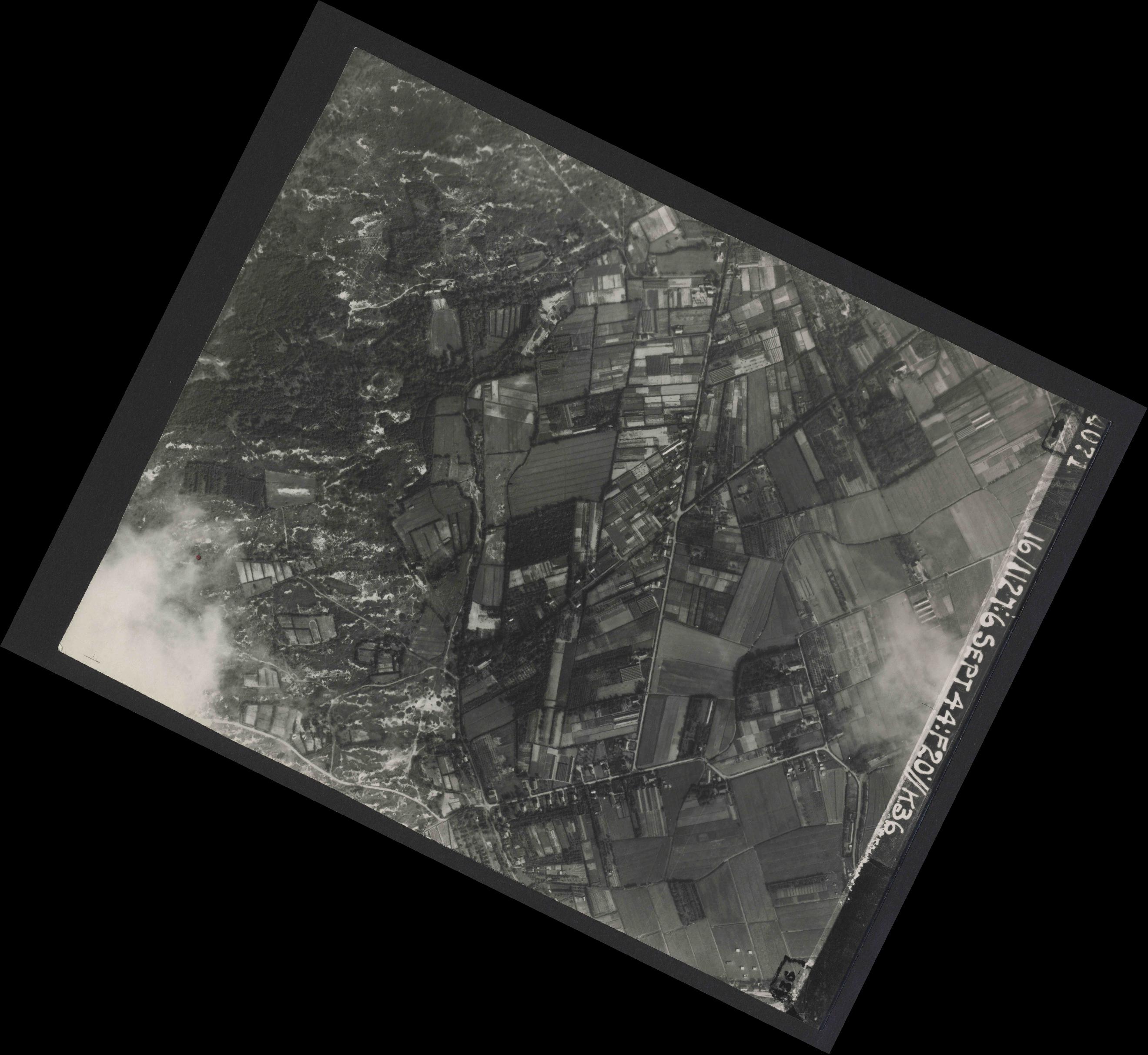 Collection RAF aerial photos 1940-1945 - flight 189, run 06, photo 4071
