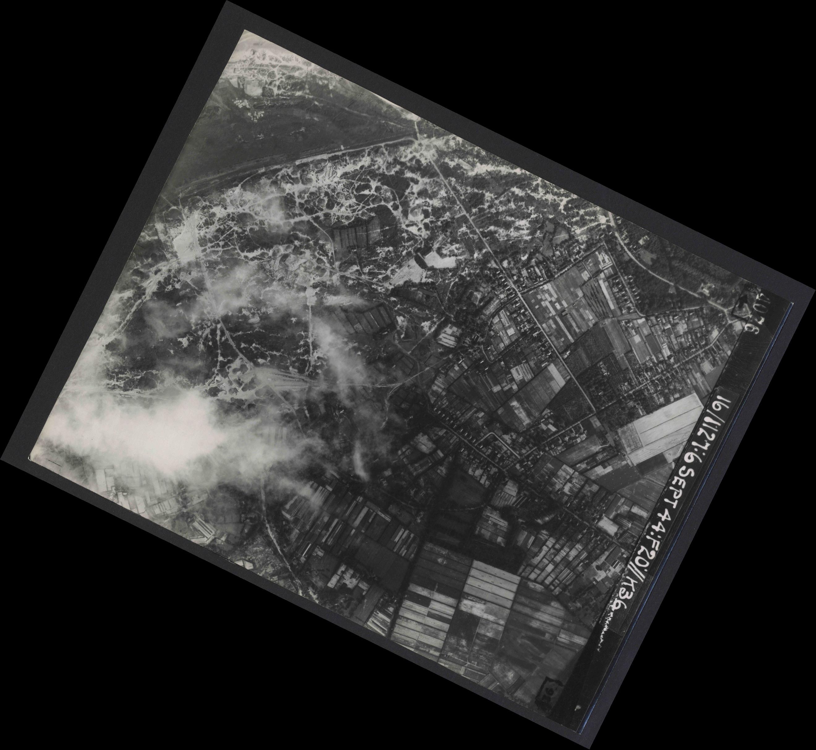 Collection RAF aerial photos 1940-1945 - flight 189, run 06, photo 4076