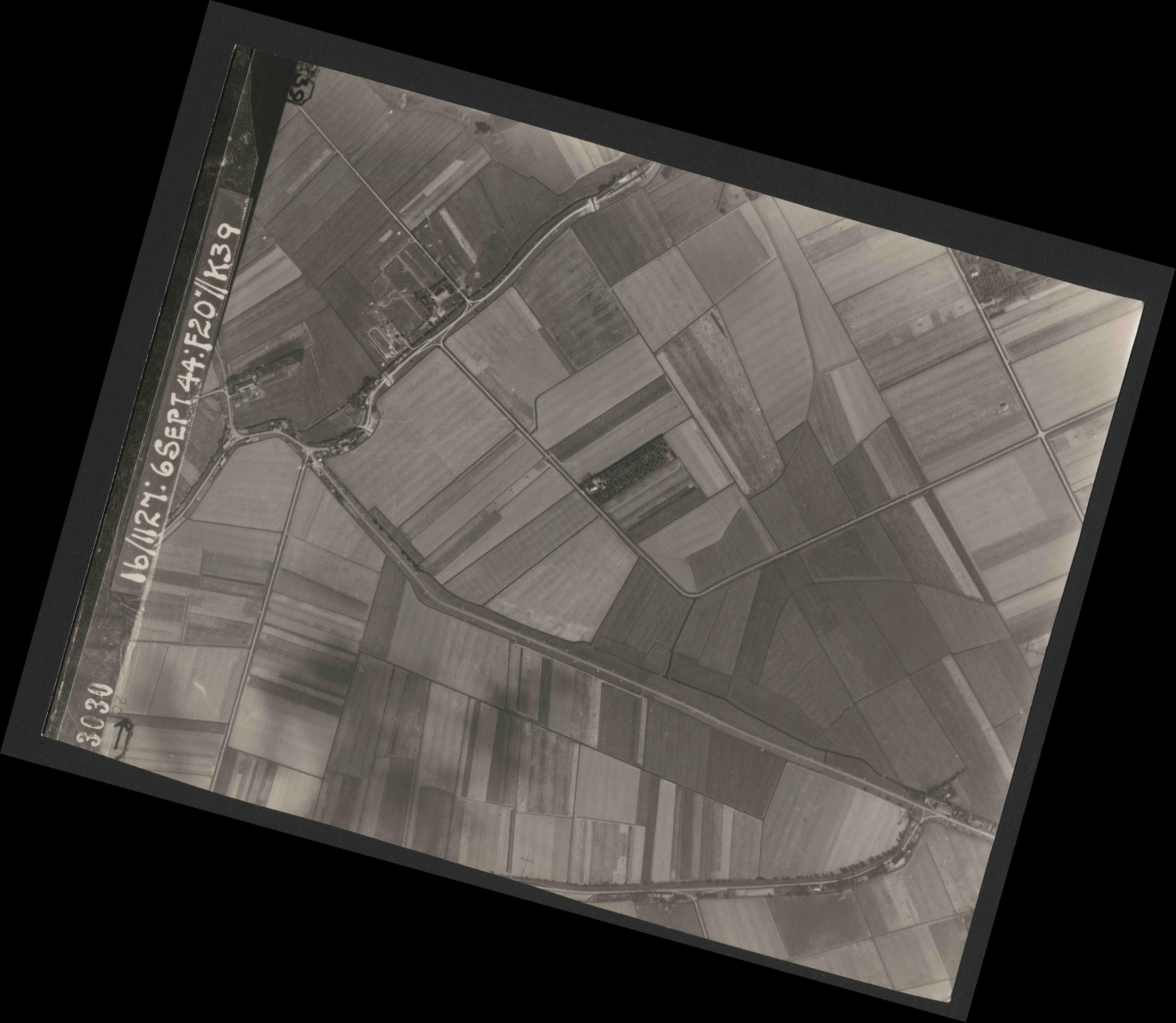 Collection RAF aerial photos 1940-1945 - flight 189, run 07, photo 3030