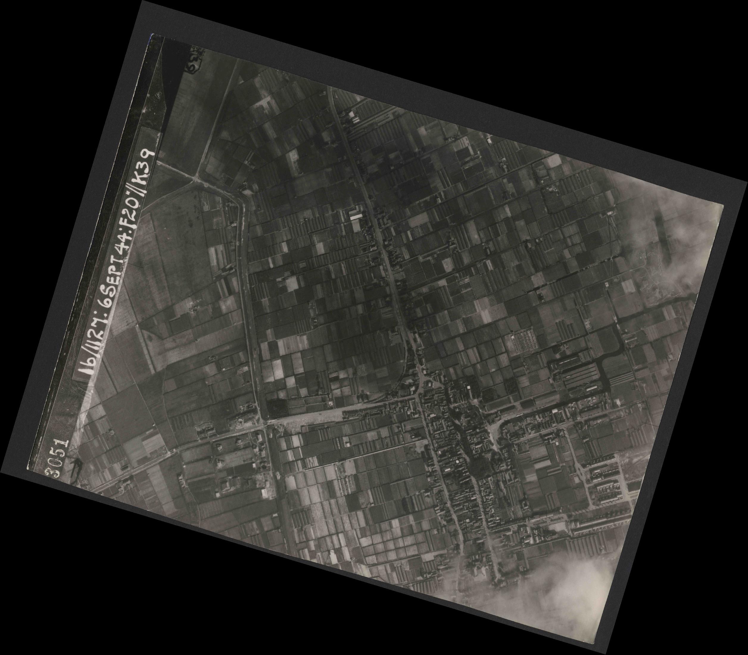 Collection RAF aerial photos 1940-1945 - flight 189, run 07, photo 3051