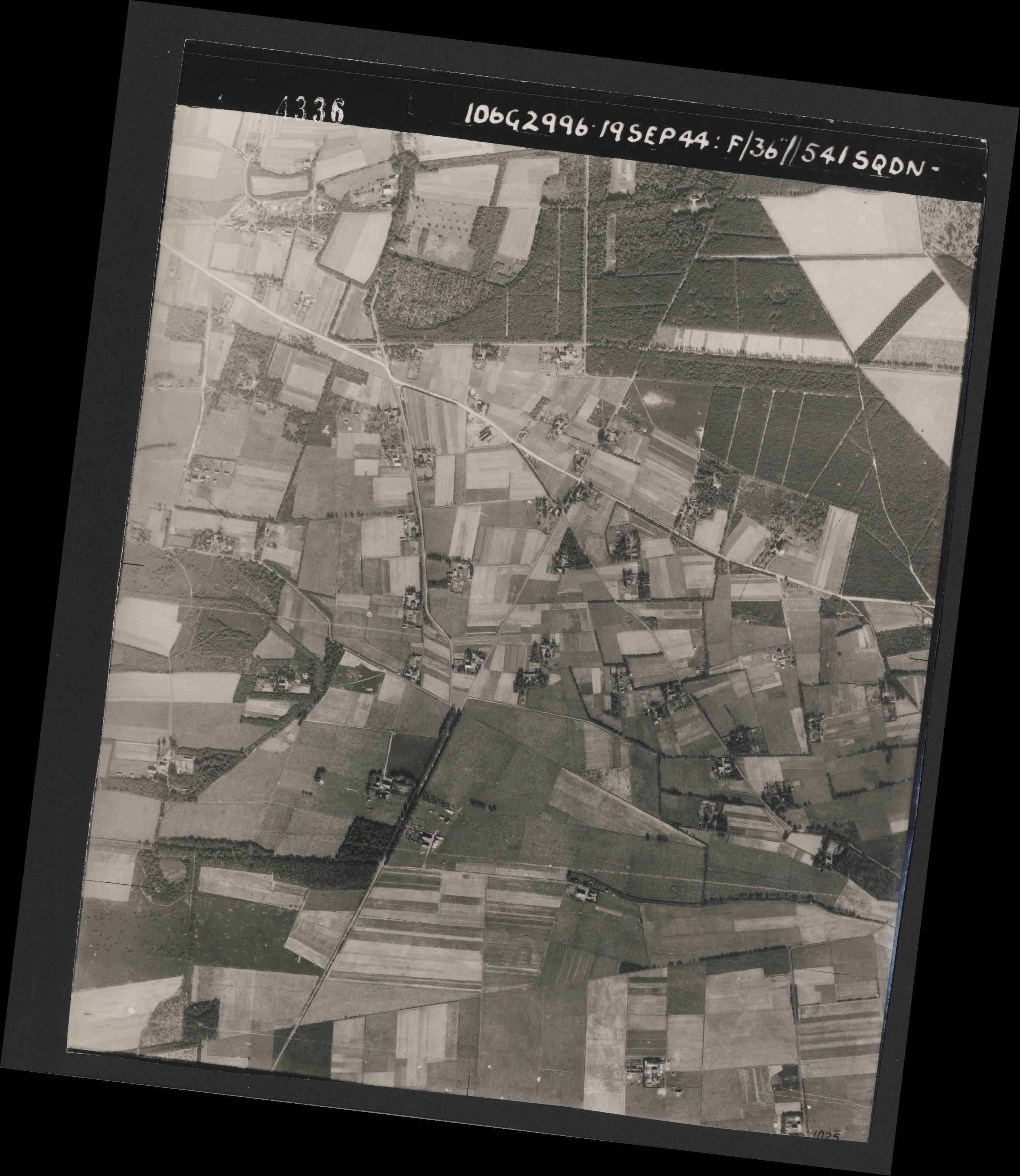 Collection RAF aerial photos 1940-1945 - flight 193, run 01, photo 4336