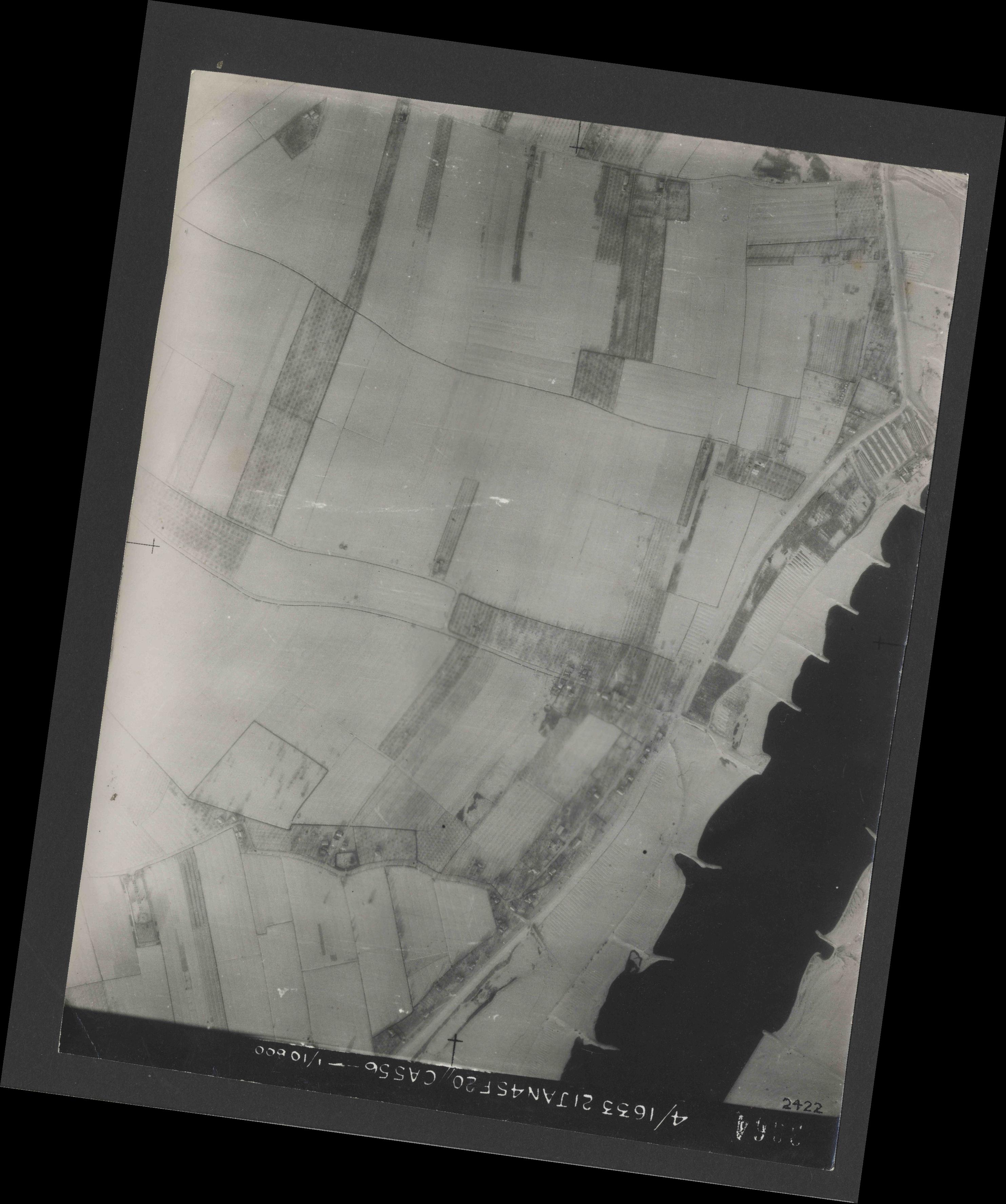 Collection RAF aerial photos 1940-1945 - flight 202, run 03, photo 3064