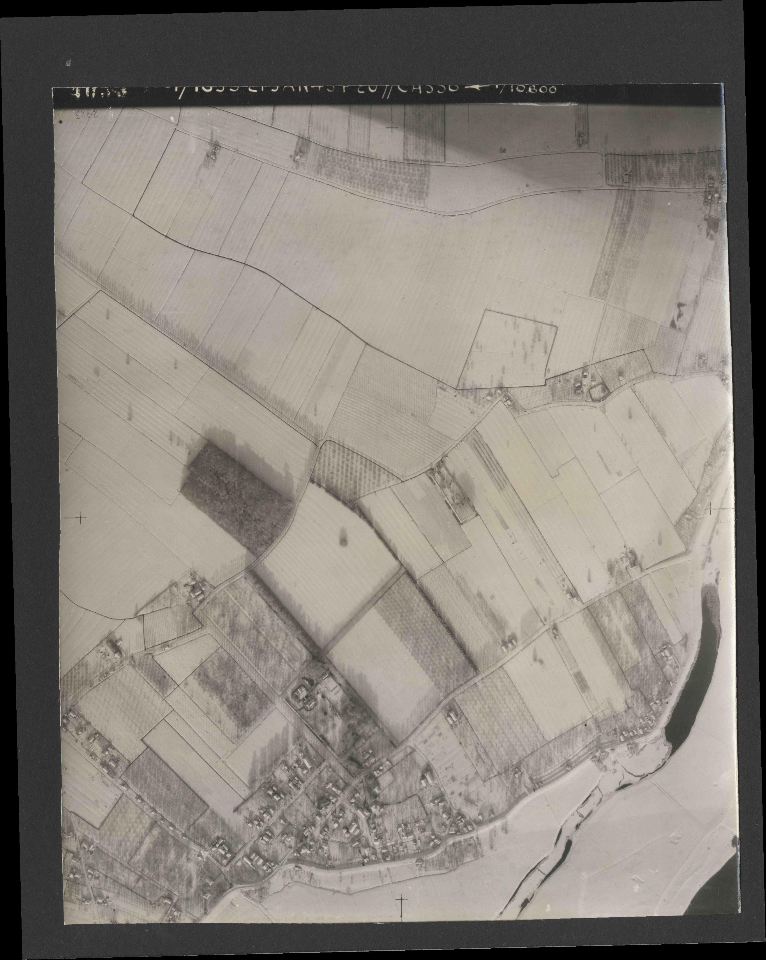Collection RAF aerial photos 1940-1945 - flight 202, run 04, photo 4026